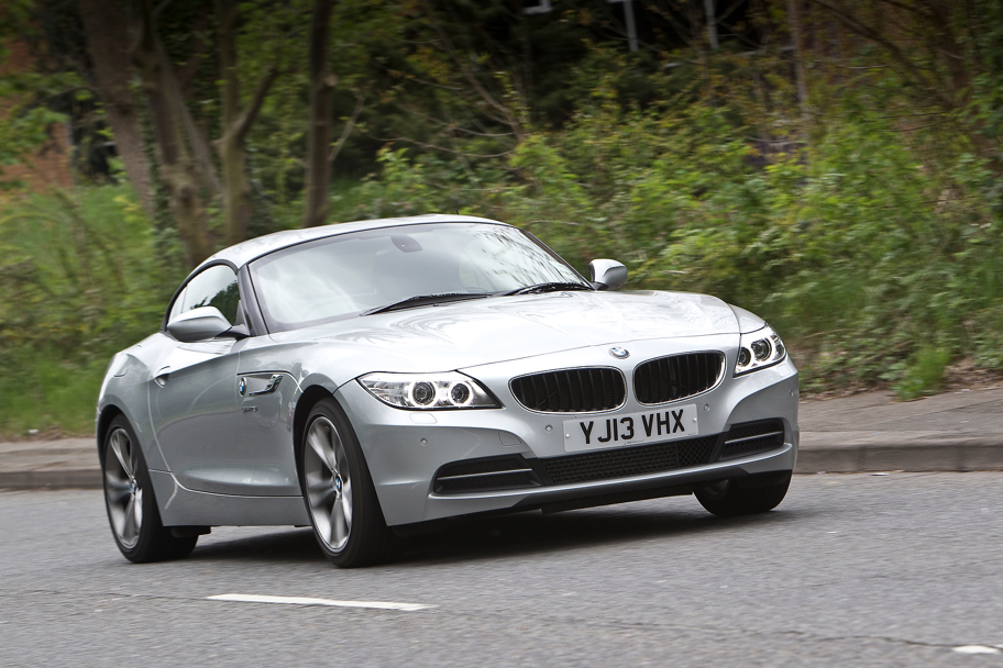 Bmw E89 Z4 Lci Sdrive18i Review By Autocar Autoevolution