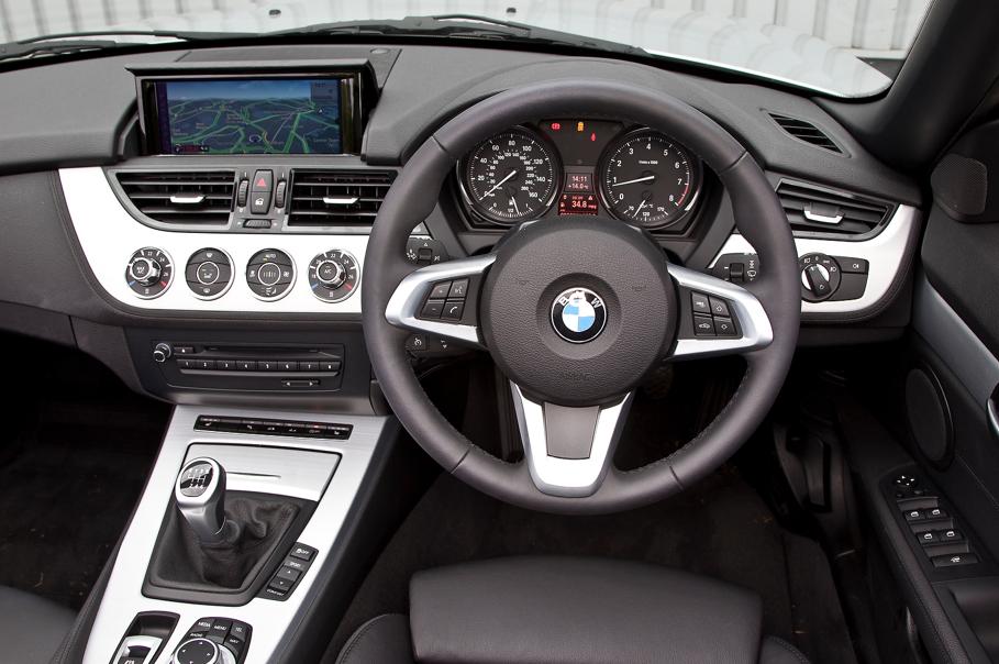 BMW E89 Z4 LCI sDrive18i Review by Autocar - autoevolution