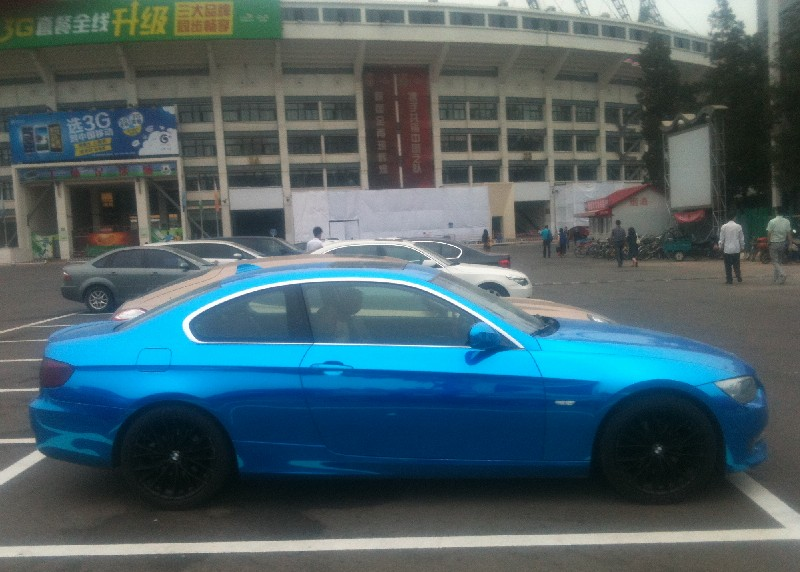 Bmw E92 3 Series Coupe Is Chrome Blue In China Autoevolution