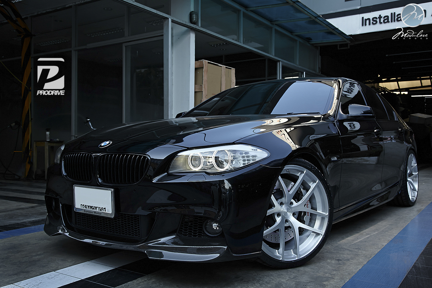 bmw f10 550i has modulare wheels in bangkok autoevolution. Black Bedroom Furniture Sets. Home Design Ideas