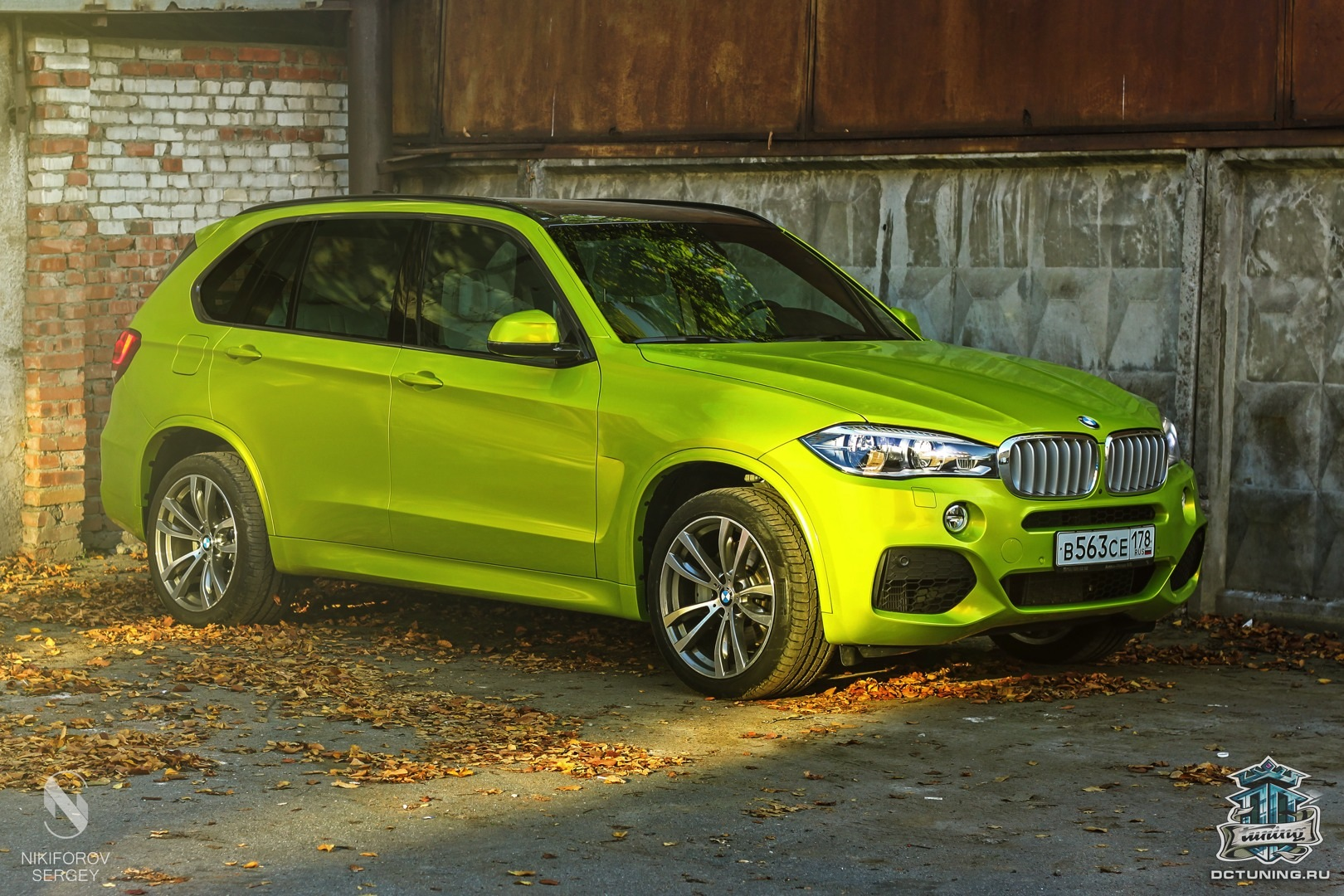 bmw f15 x5 wrapped in electric lime vinyl in russia autoevolution. Black Bedroom Furniture Sets. Home Design Ideas