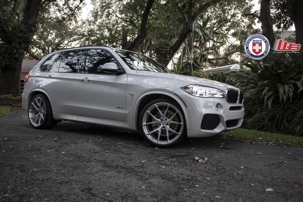bentley bentayga vs bmw x5 with Bmw F15 X5 Looks Squeaky Clean On Hre Wheels Photo Gallery 86252 on GMq 6lL further Got A Black Car Lucky You Sand It Down Now further Bmw X3 Jaguar F Pace Mercedes Glc Im Vergleichstest also Galerie Foto further 1105416 2017 Aston Martin Db11 2018 Bmw X5 Ole Yeller Mustang Shelby Gt350 This Weeks Top Photos.