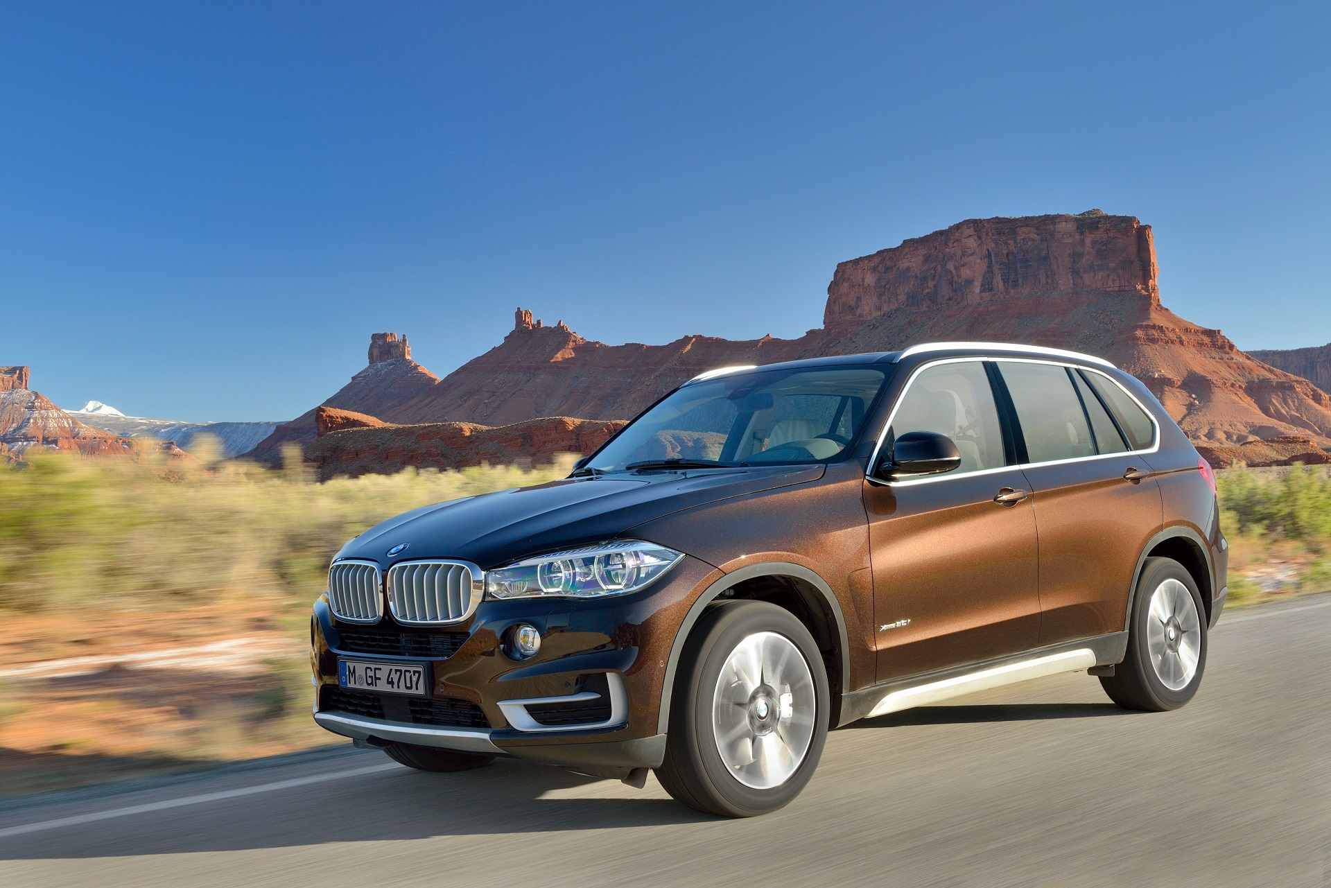 2014 bmw f15 x5 officially unveiled autoevolution. Black Bedroom Furniture Sets. Home Design Ideas