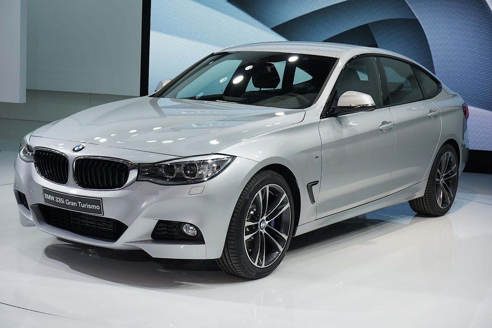 bmw f34 3 series gt at the geneva motor show autoevolution. Black Bedroom Furniture Sets. Home Design Ideas