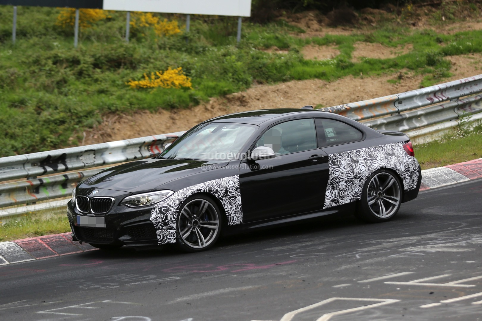 bmw f87 m2 spied up close on the green hell autoevolution. Black Bedroom Furniture Sets. Home Design Ideas