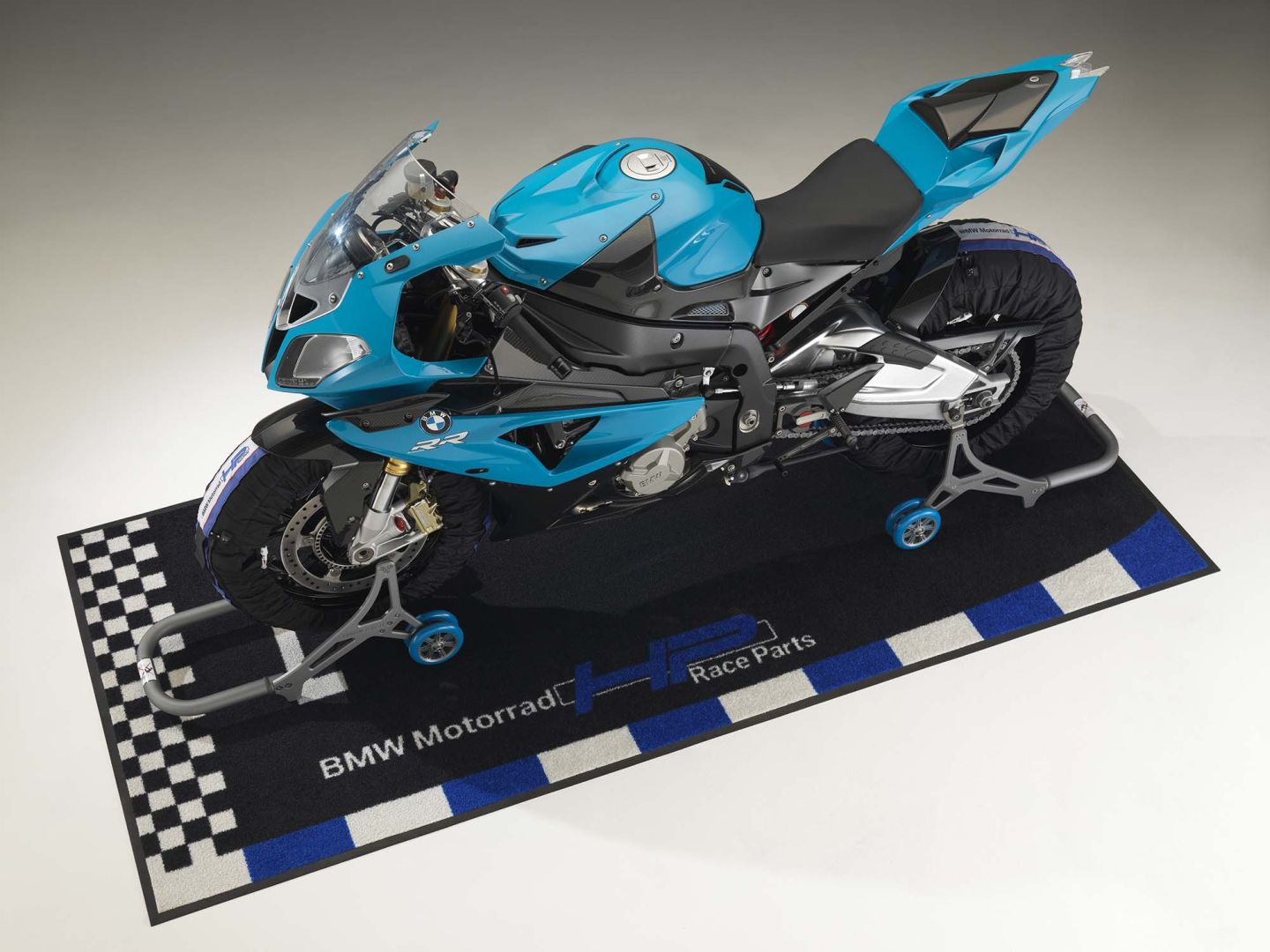 BMW HP4 Becomes Available on December 1st  autoevolution