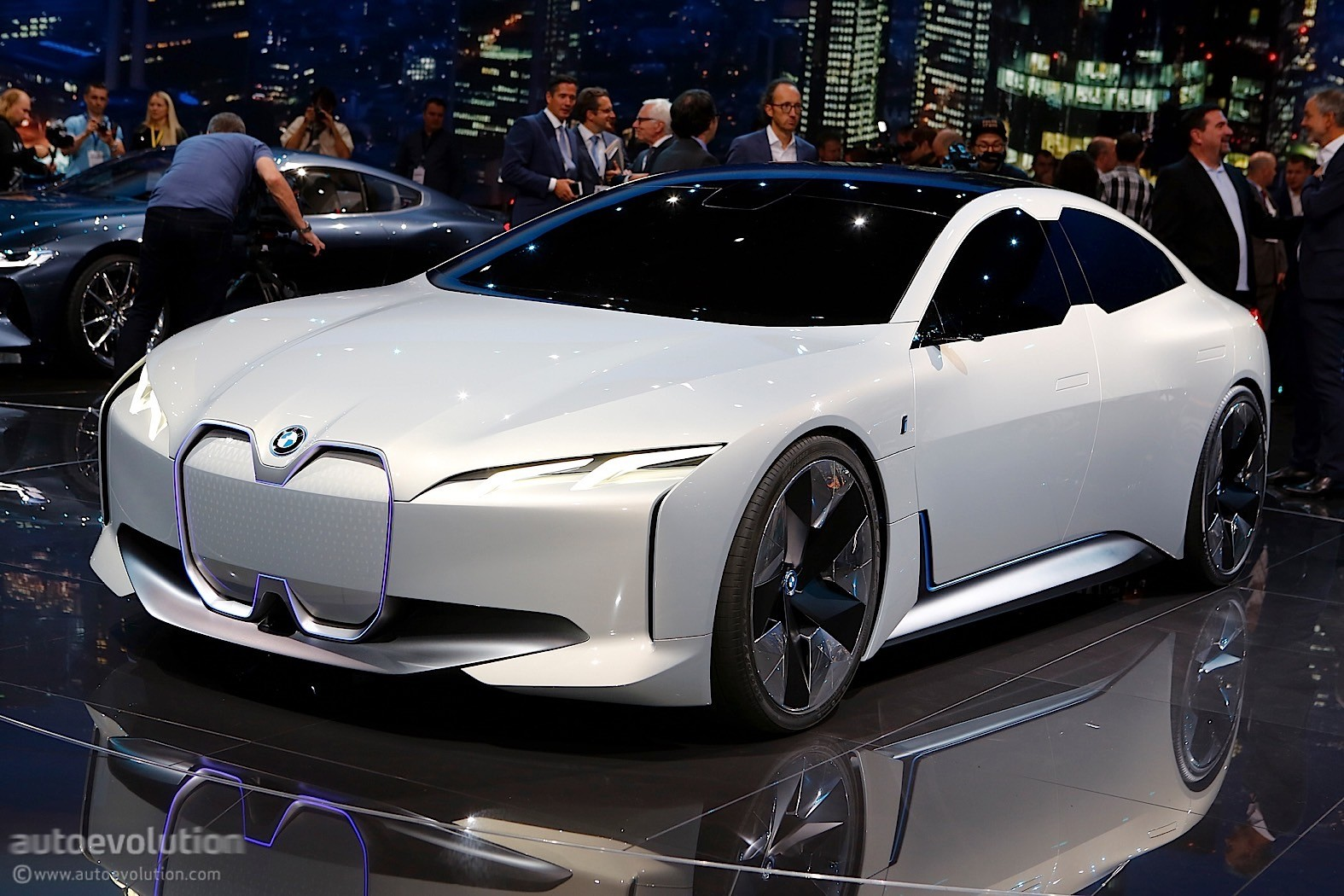 Bmw I Vision Dynamics Previews A Future Tesla Model 3