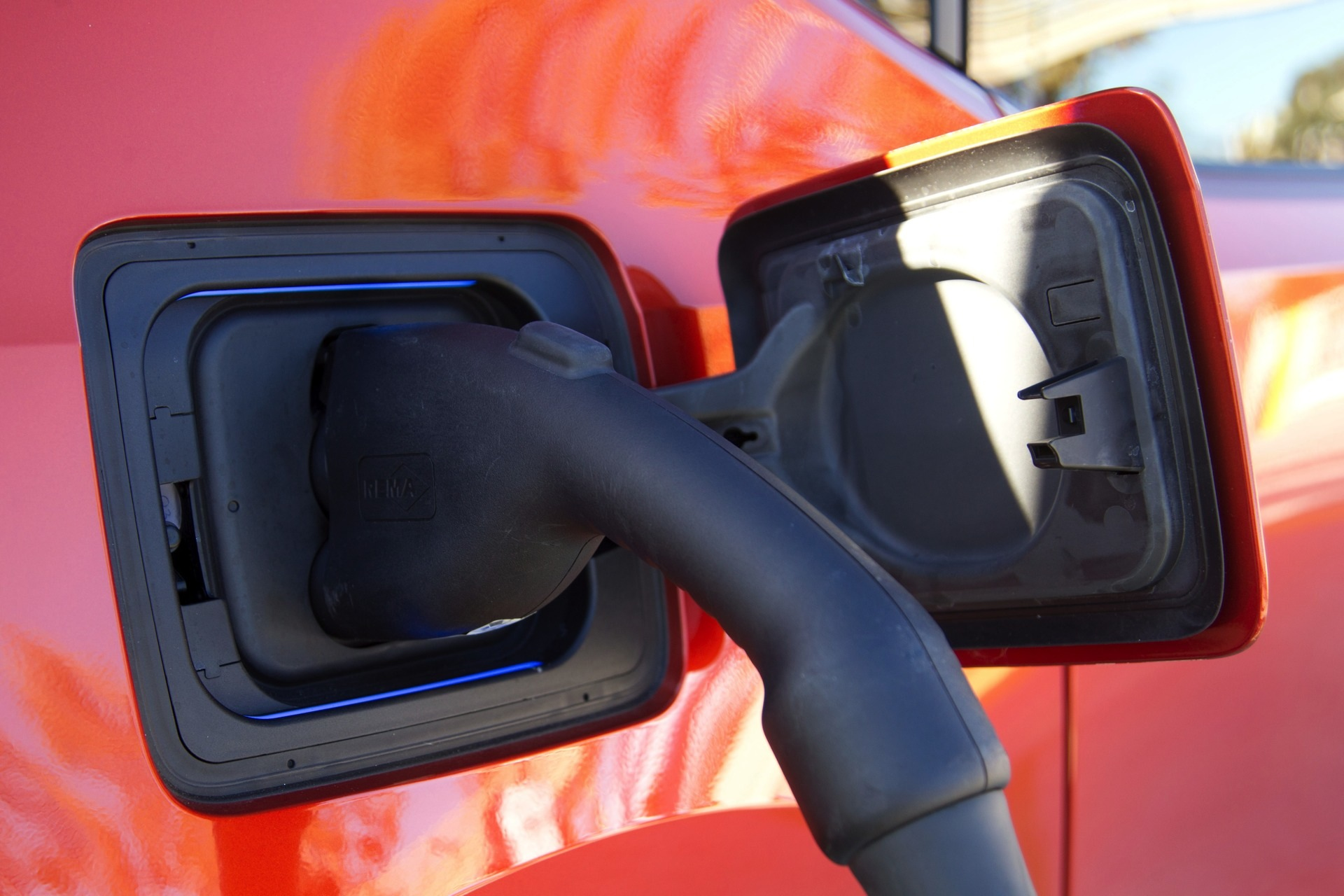 BMW i3 Charged for the First Time at a Public Combo ...