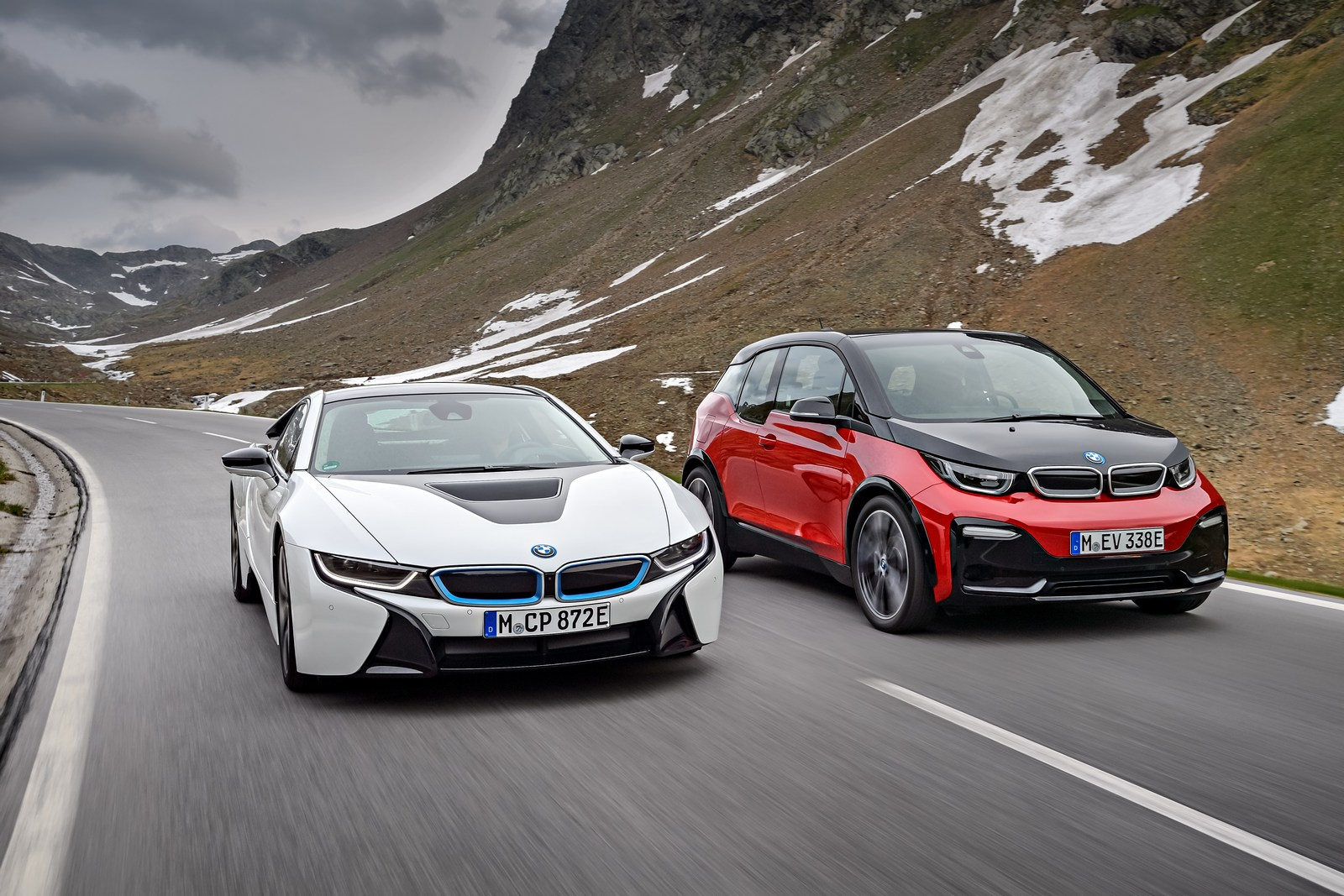 2018 bmw electric. delighful 2018 2018 bmw i3s debuts with more power and sportier looks  inside bmw electric