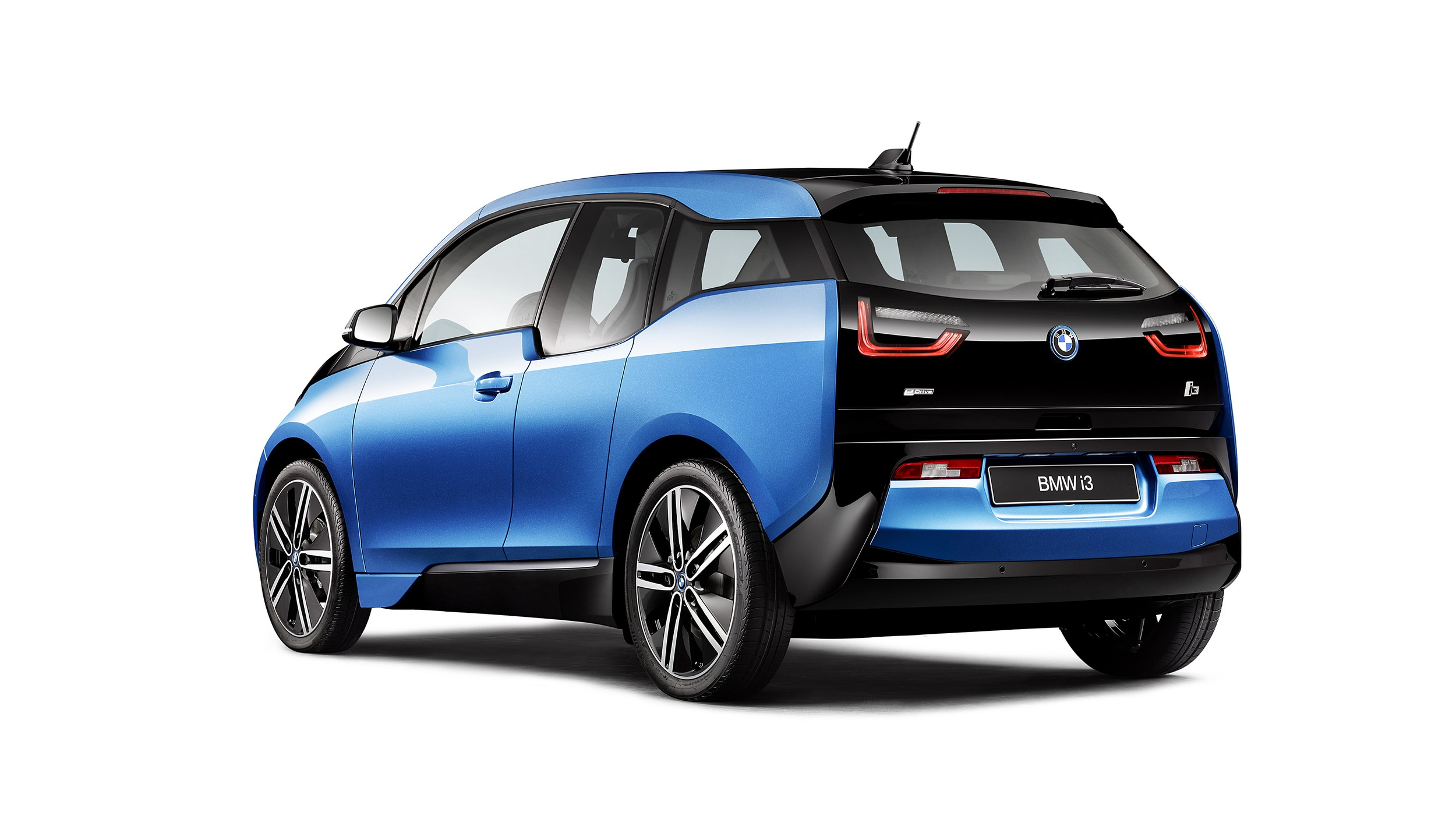 bmw i3 lci reportedly coming in 2017 with more range better styling autoevolution. Black Bedroom Furniture Sets. Home Design Ideas