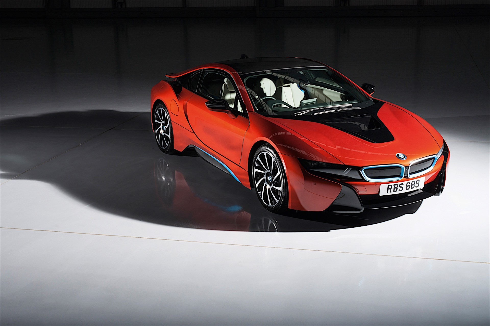 Bmw I8 Gets Individual Exterior Paint Options In The Uk