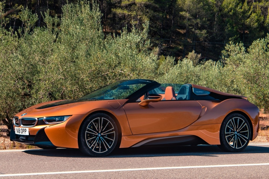 2018 Bmw I8 Roadster Priced Costs 16k More Than The Coupe In The