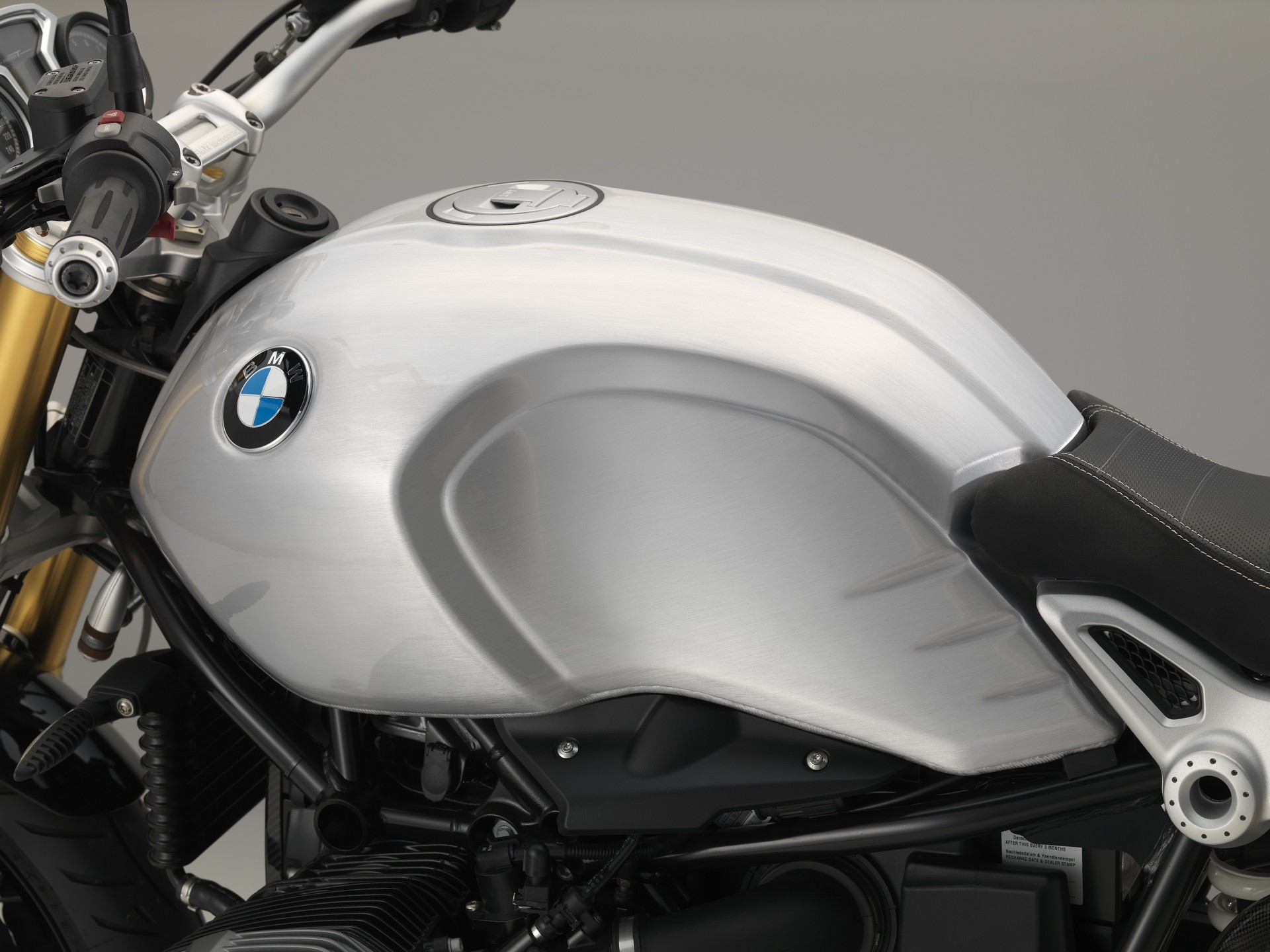 Bmw Introduces Hand Brushed Aluminium Tanks For The R