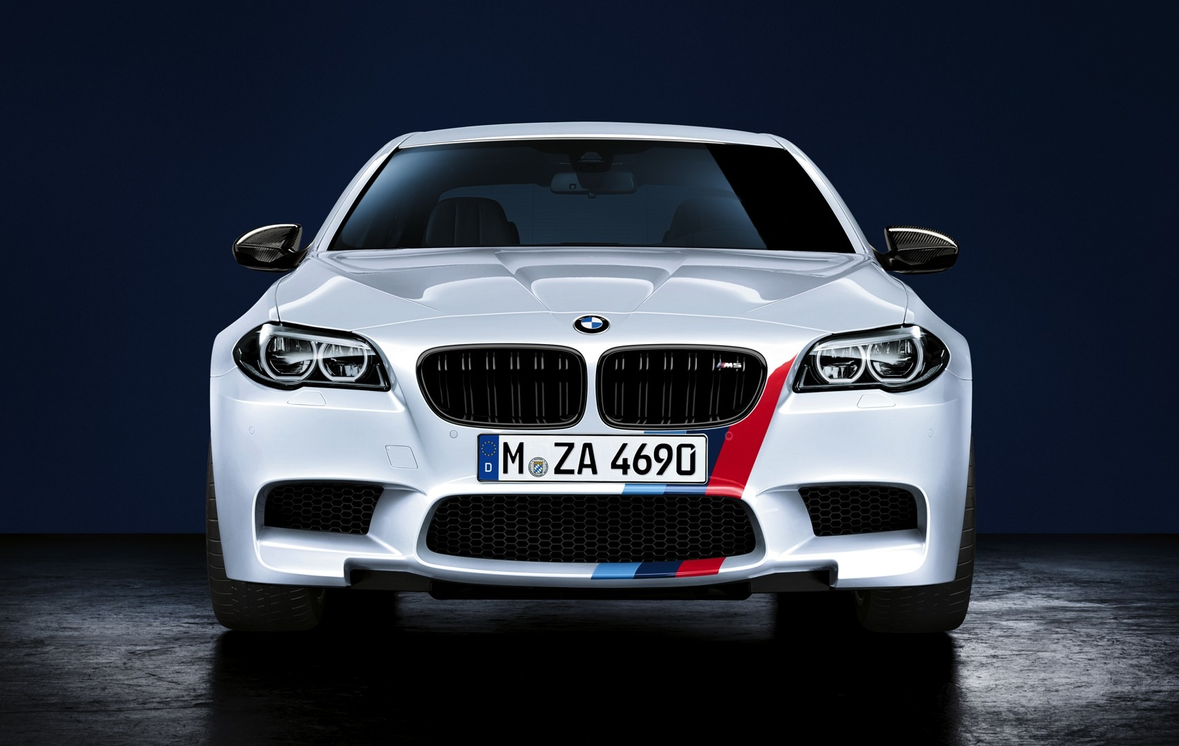 BMW M Performance Accessories for BMW M5 Now Available - autoevolution