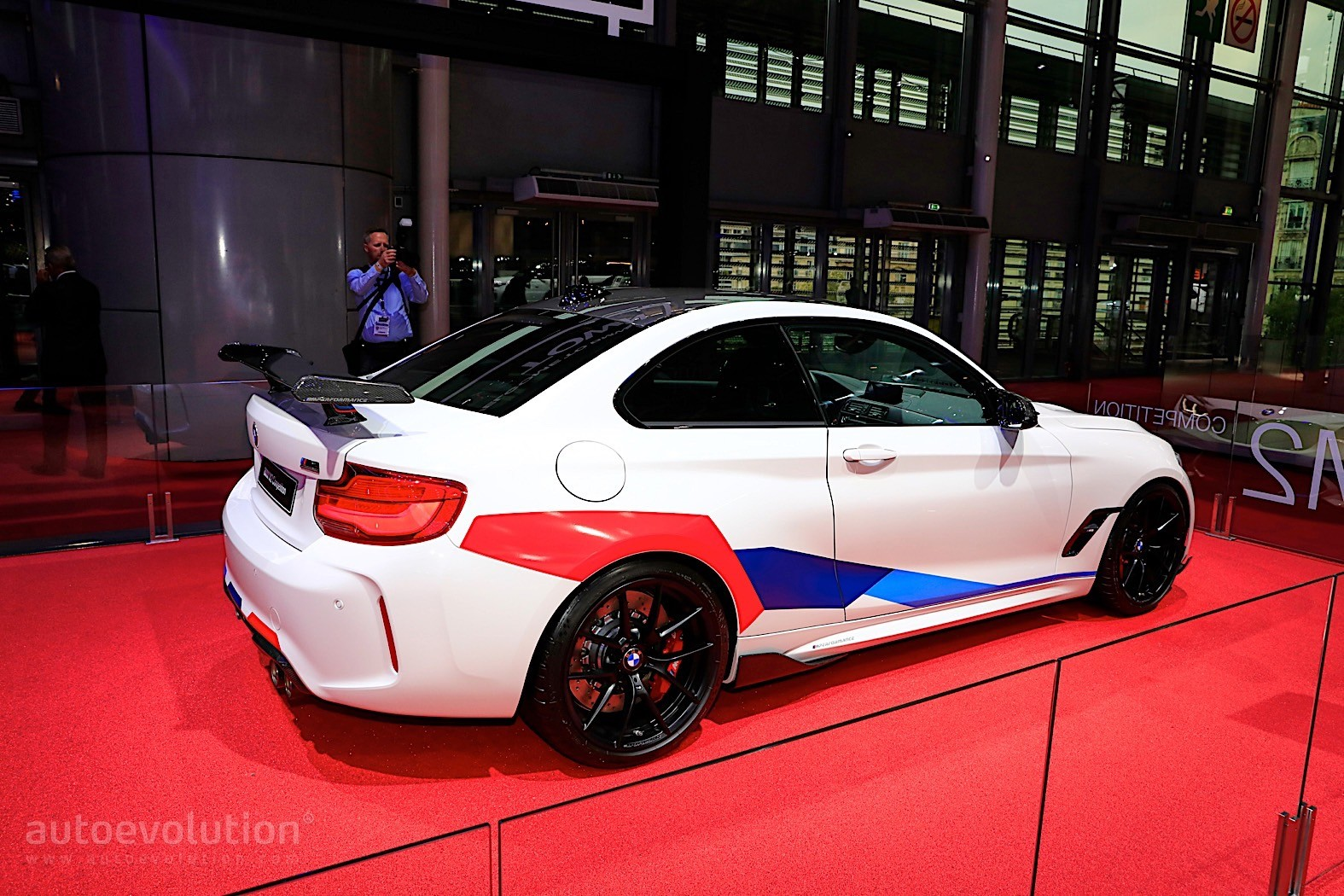 bmw m2 competition is raw german power descending on paris autoevolution. Black Bedroom Furniture Sets. Home Design Ideas