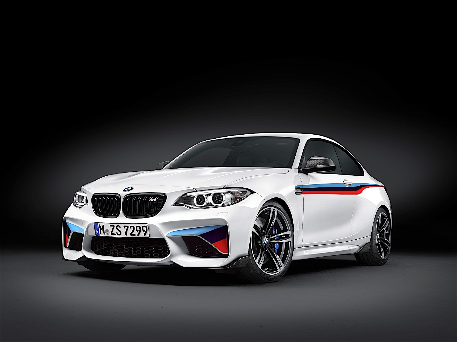 bmw m2 gets m performance parts they look great. Black Bedroom Furniture Sets. Home Design Ideas