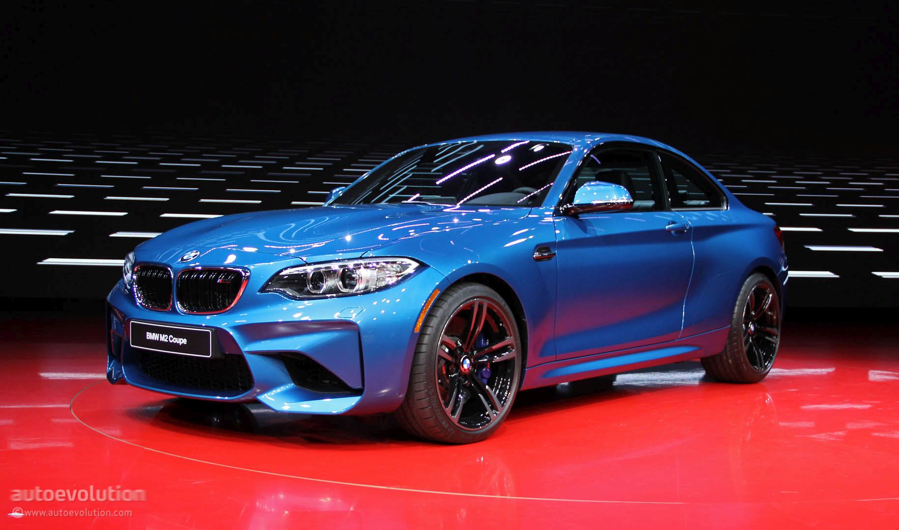 Bmw M2 Makes Detroit Look Like A Racetrack Autoevolution