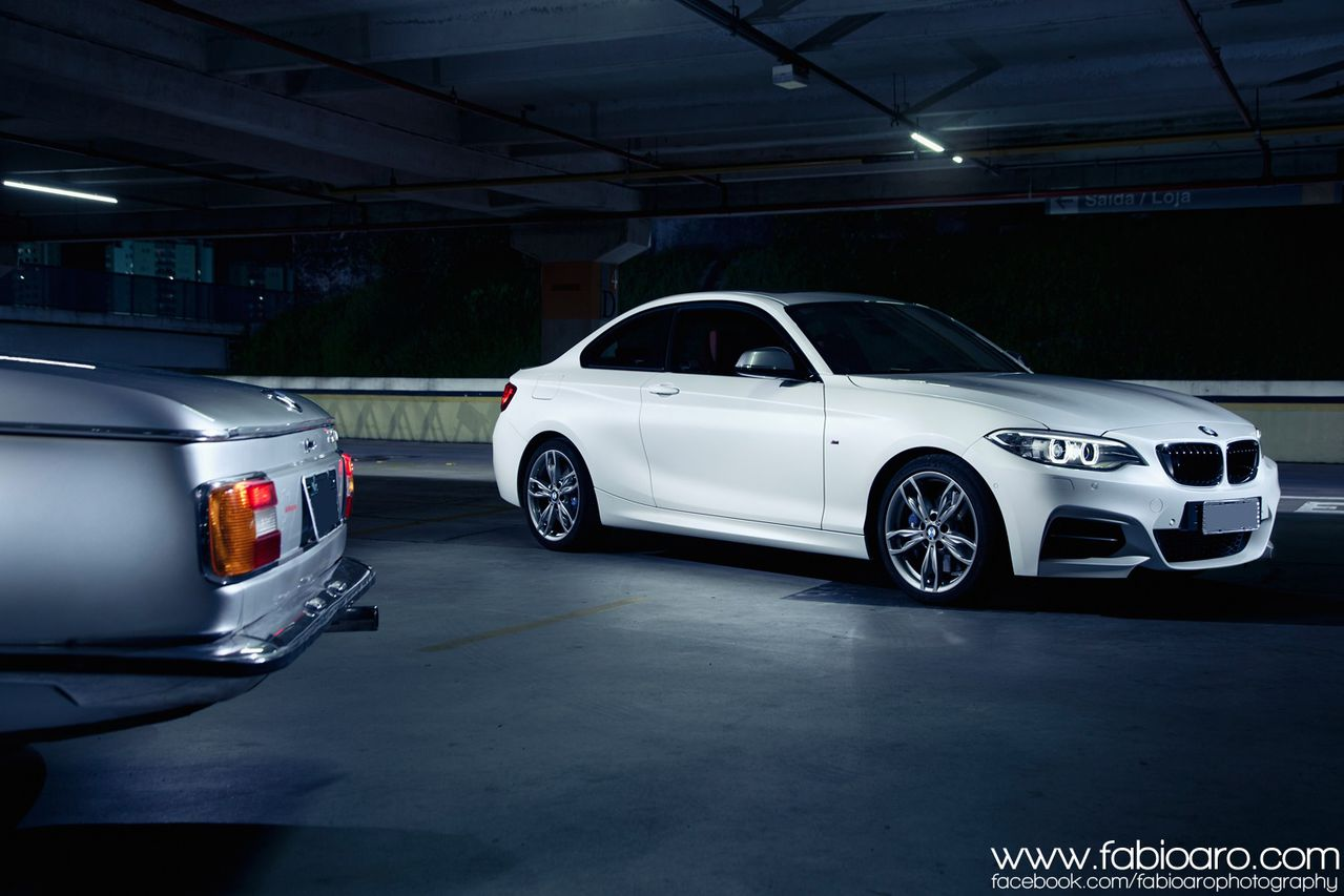 BMW M235i and 2002 Pose for Breathtaking Wallpapers ...