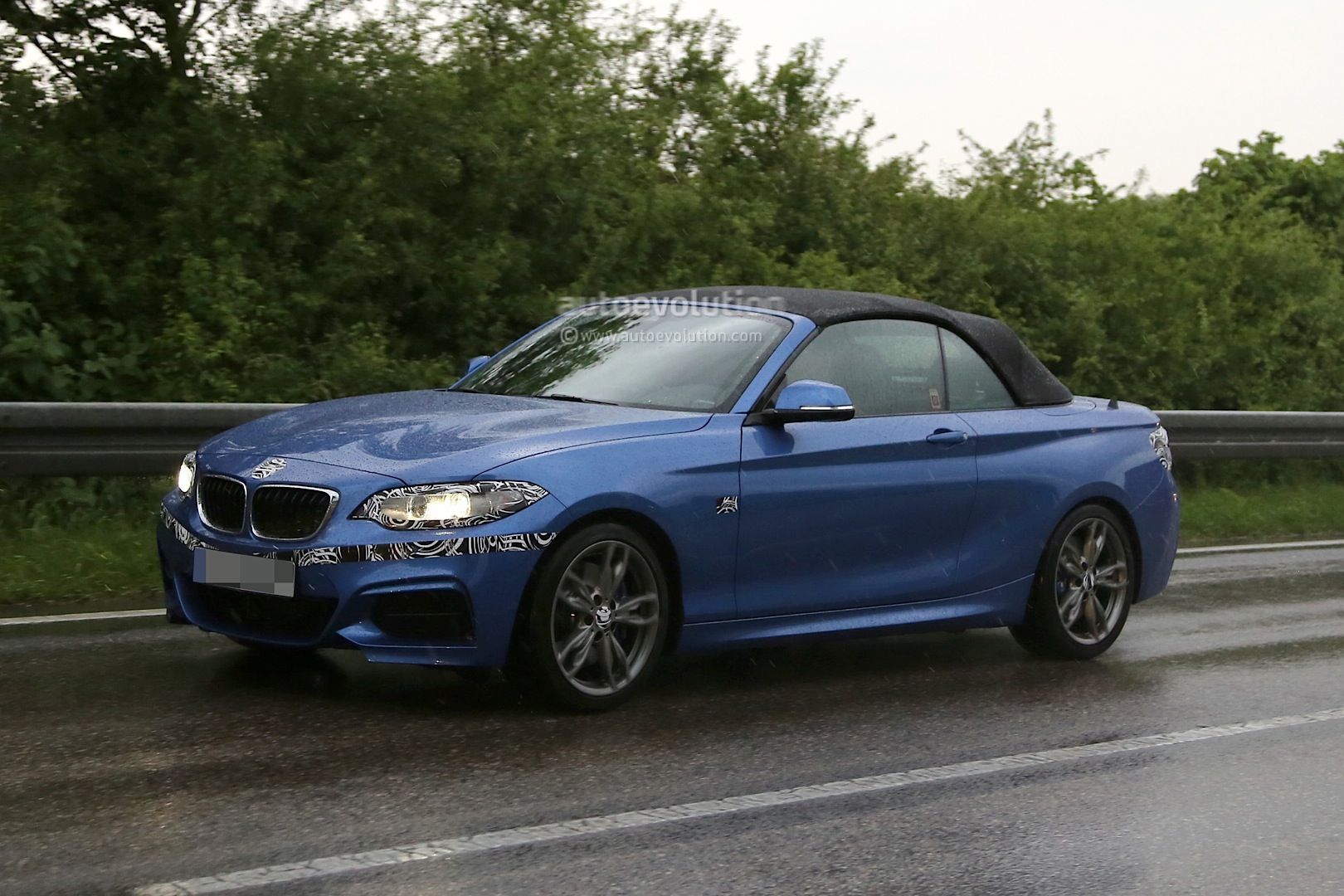 Bmw m235i vs audi s3 battle of the compact performance convertible 4 seaters autoevolution