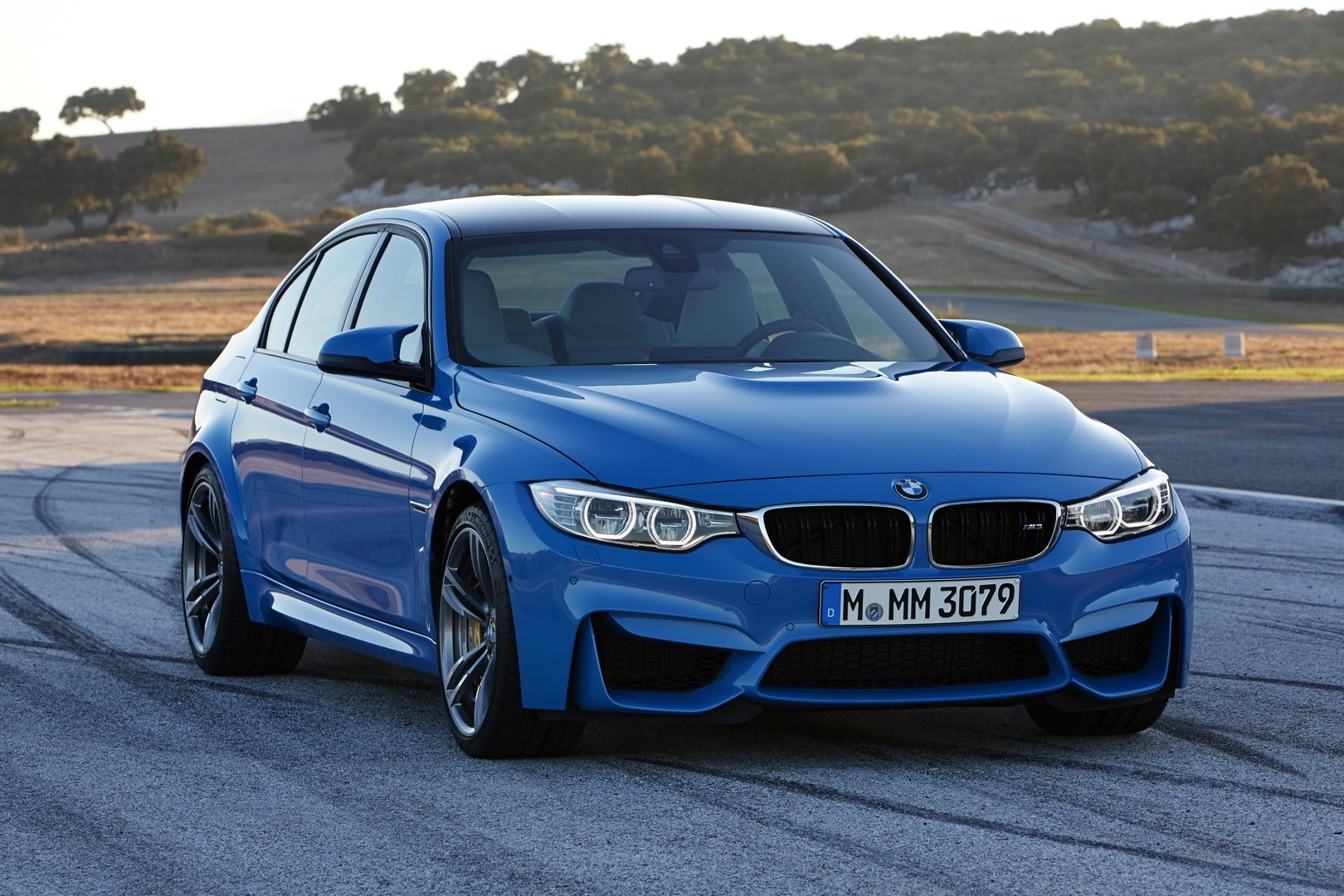 bmw m3 sedan and m4 coupe officially unveiled autoevolution. Black Bedroom Furniture Sets. Home Design Ideas
