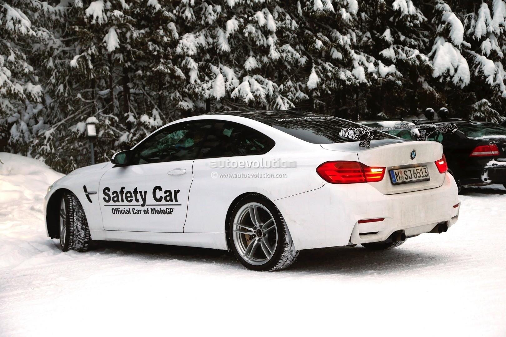 BMW M4 GTS ...