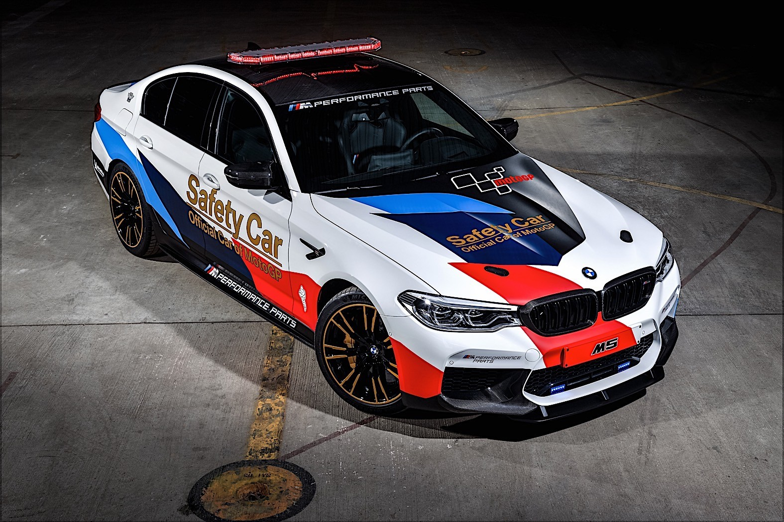 2018 bmw m5 motogp safety car gets ready for season start autoevolution. Black Bedroom Furniture Sets. Home Design Ideas