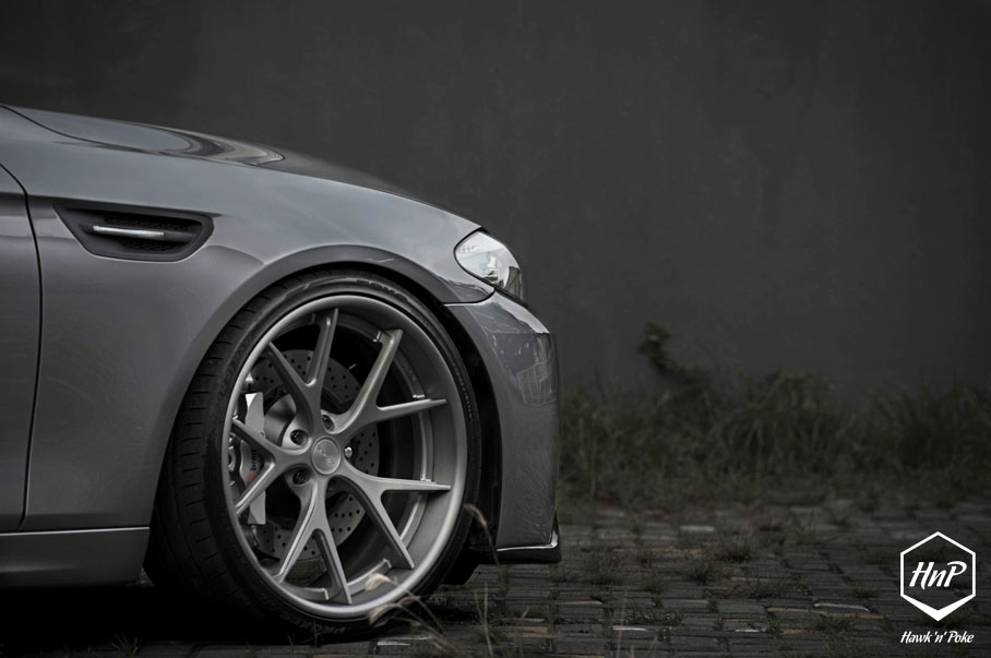 Bmw M Shows Off Its Morr Wheels Photo Gallery