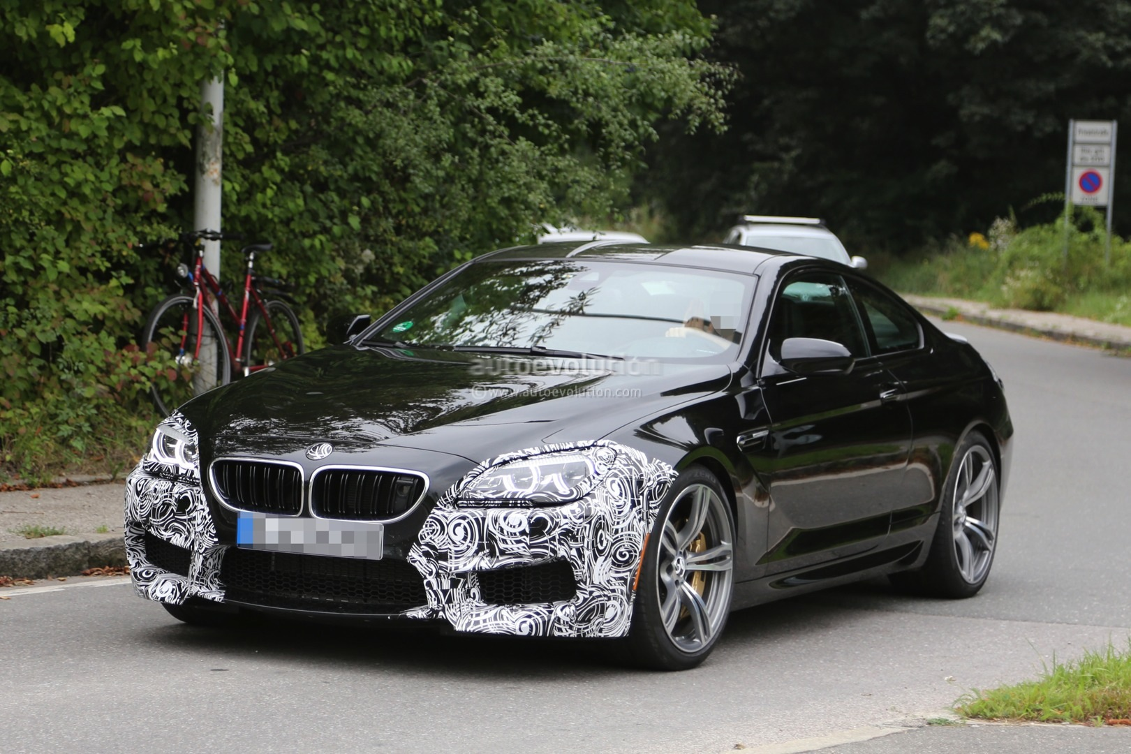 BMW M6 Facelift Spied Testing in Production Guise ...
