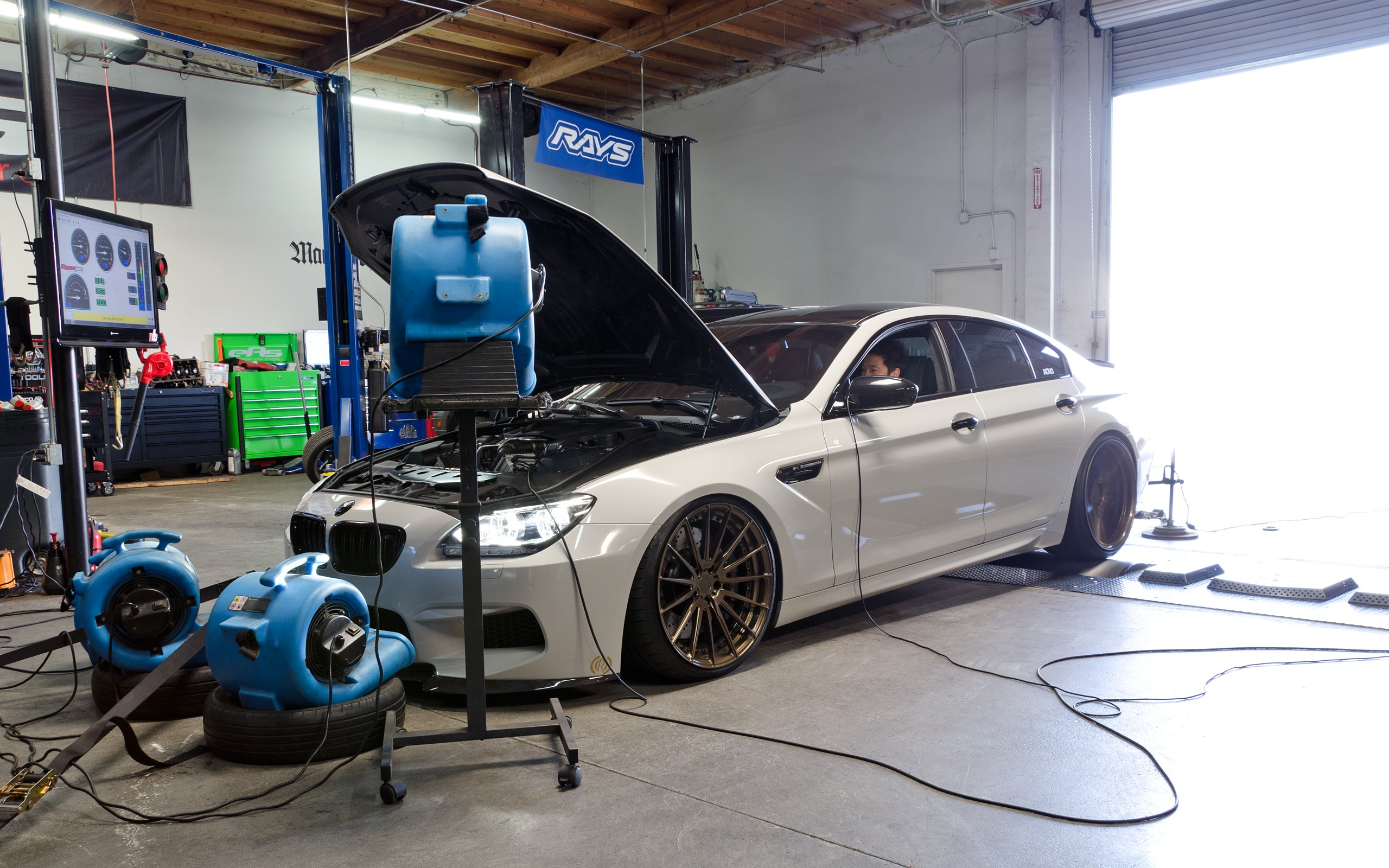 Bmw M6 Gran Coupe Hops On A Dyno And Nearly Blows It To Pieces Fuse Box