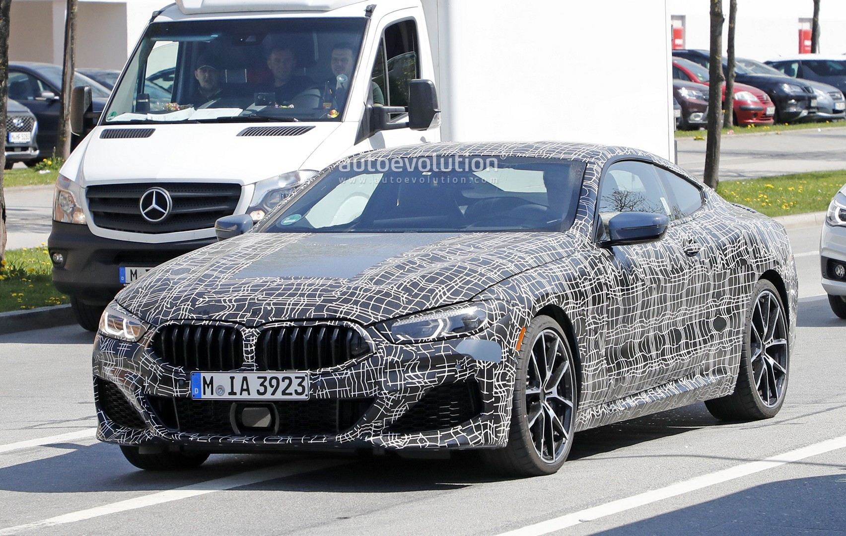 Bmw M850i Shows New Blue Grey Paint During Testing Autoevolution