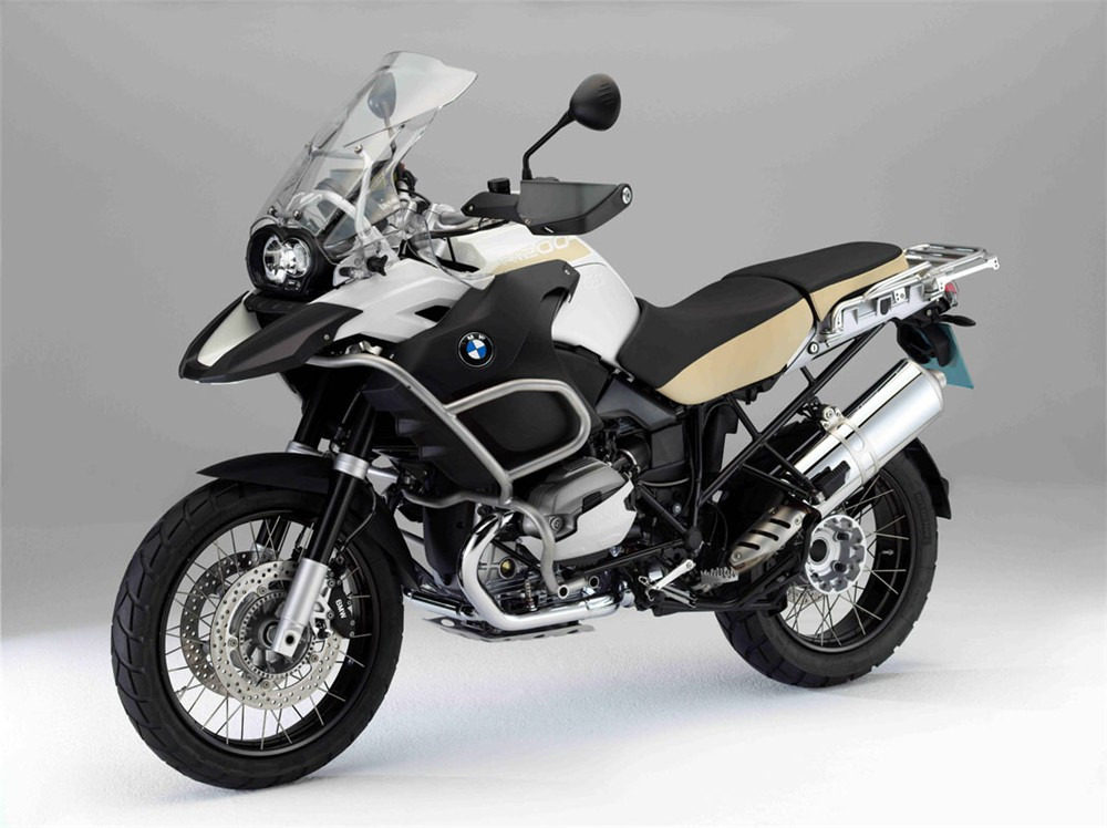 BMW Motorcycles Get New Colors for 2012 - autoevolution