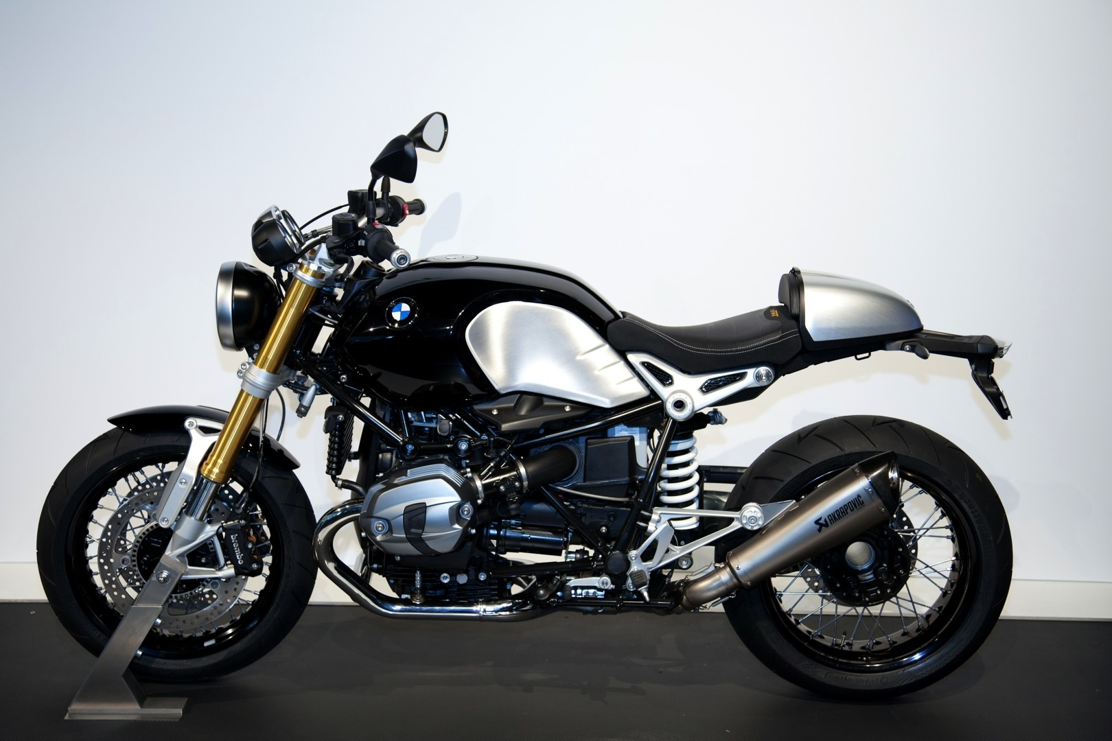 Bmw Motorrad Celebrates 90th Anniversary Launches Bmw R Ninet Autoevolution