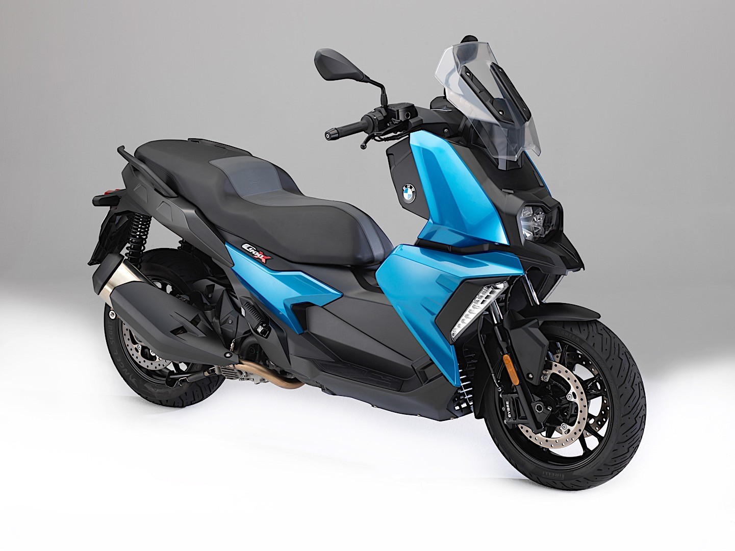 BMW Motorrad Launches Its First Sub-600CC Scooter At EICMA ...