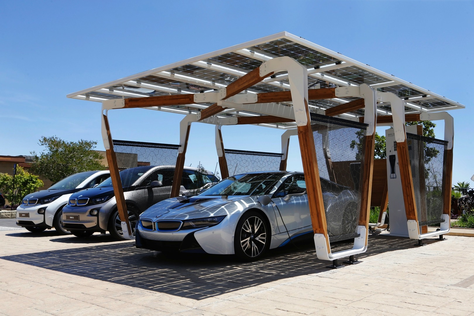 Carport On Wheels : Bmw presents solar carport concept for i cars autoevolution