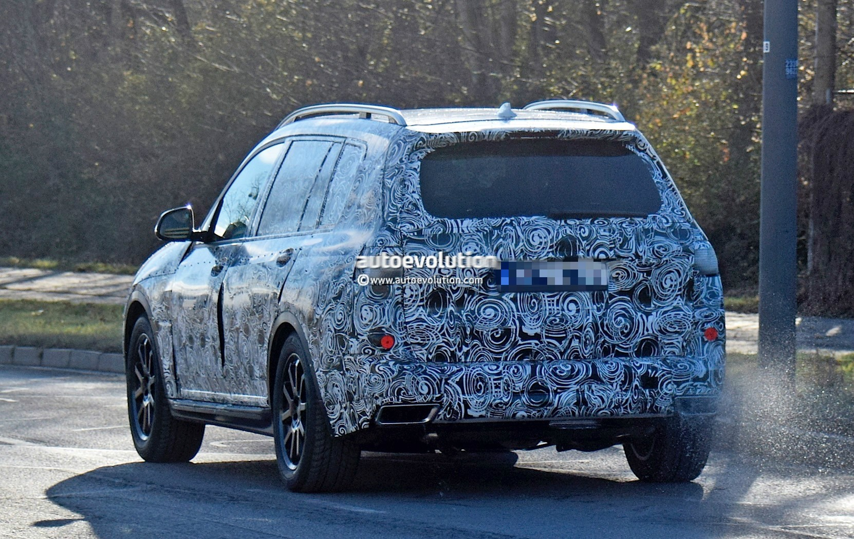 2018 BMW X7 Spied Testing In Closed Compound, Shows Off