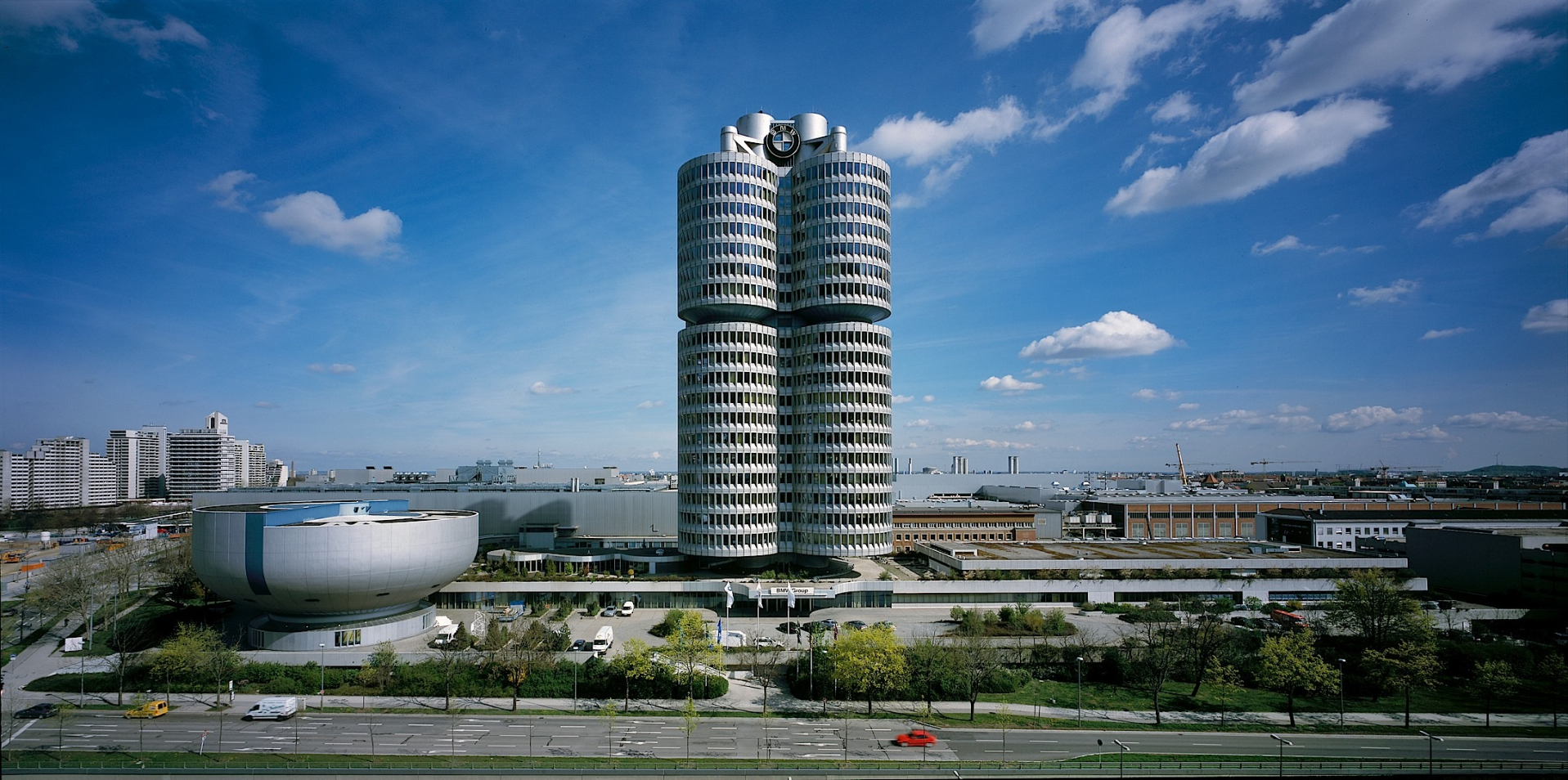 Bmw S Tower And Museum In Munich Celebrate 40 Years Of