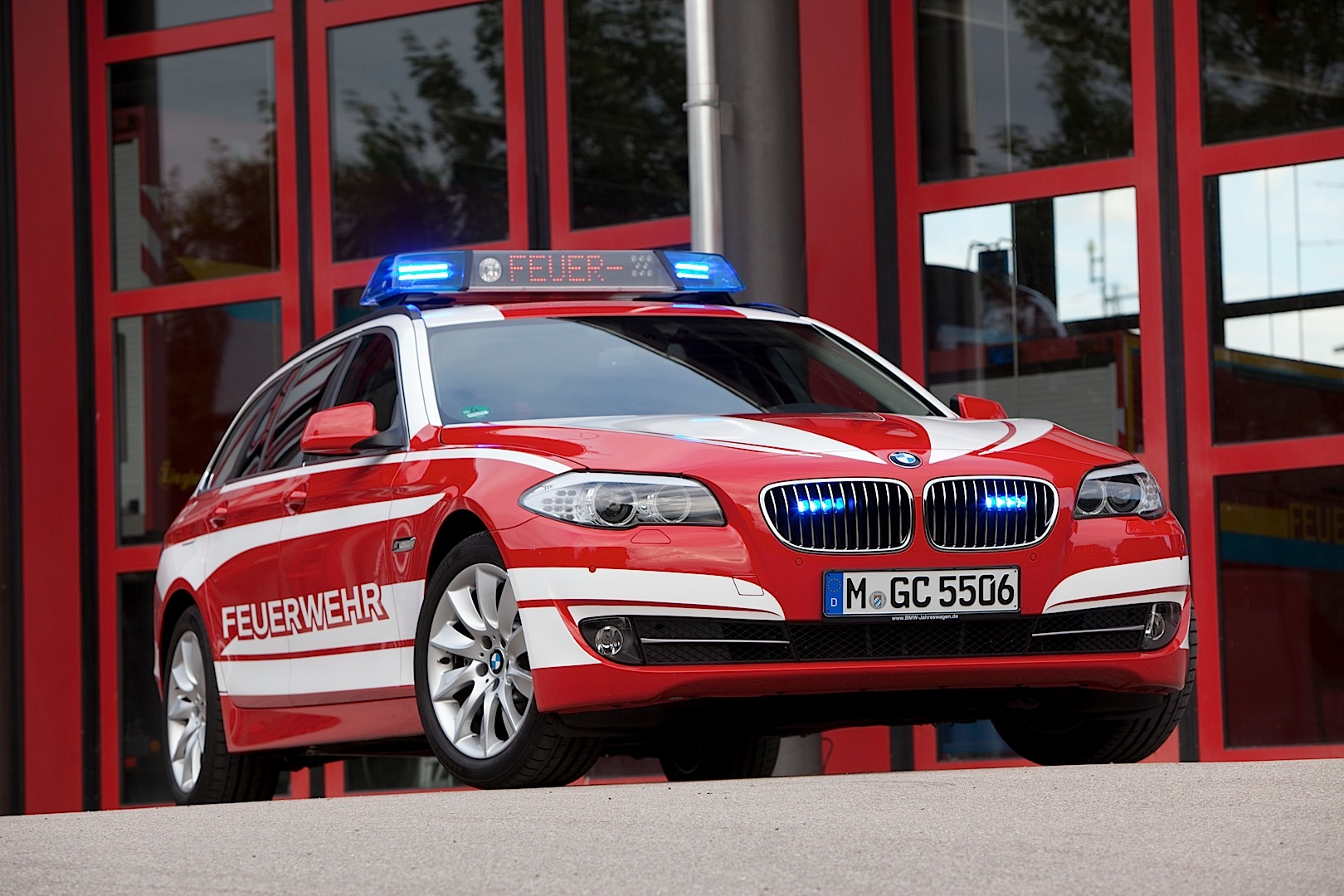 Bmw Showcases 2013 Emergency Vehicles At The Rettmobil