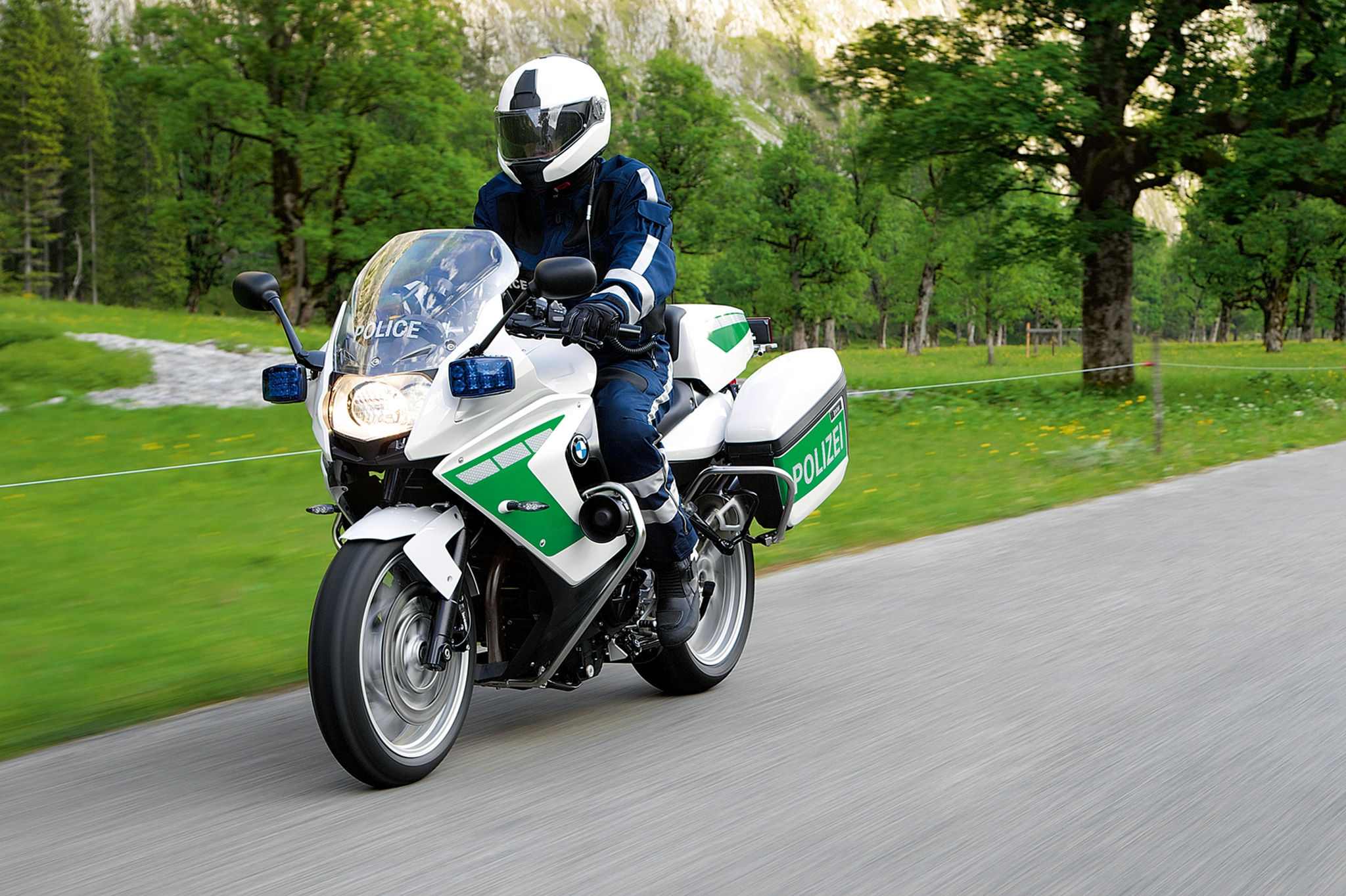 BMW Shows Police-Spec C 600 Scooter and More at Milipol ...