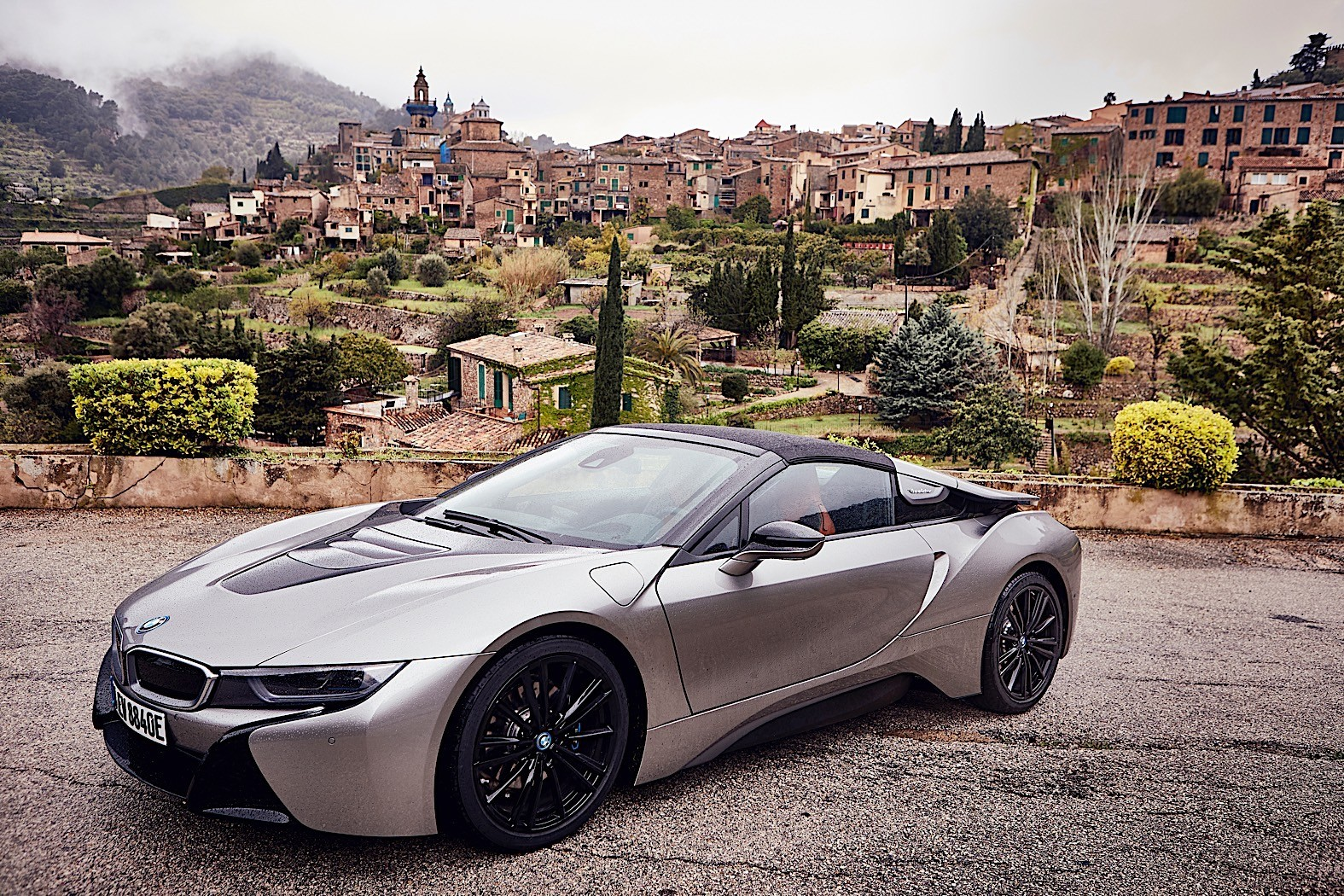 bmw shows the new i8 roadster in extensive photo gallery autoevolution. Black Bedroom Furniture Sets. Home Design Ideas