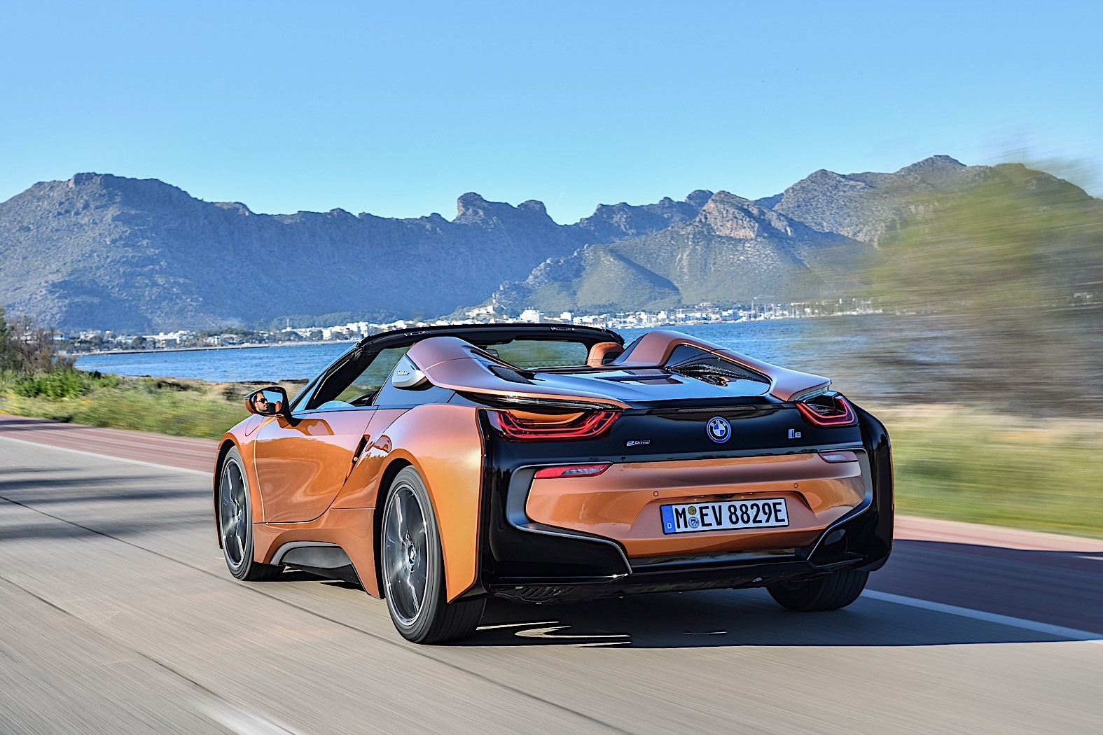 James Bond Star Pierce Brosnan Buys New Bmw I8 Autoevolution