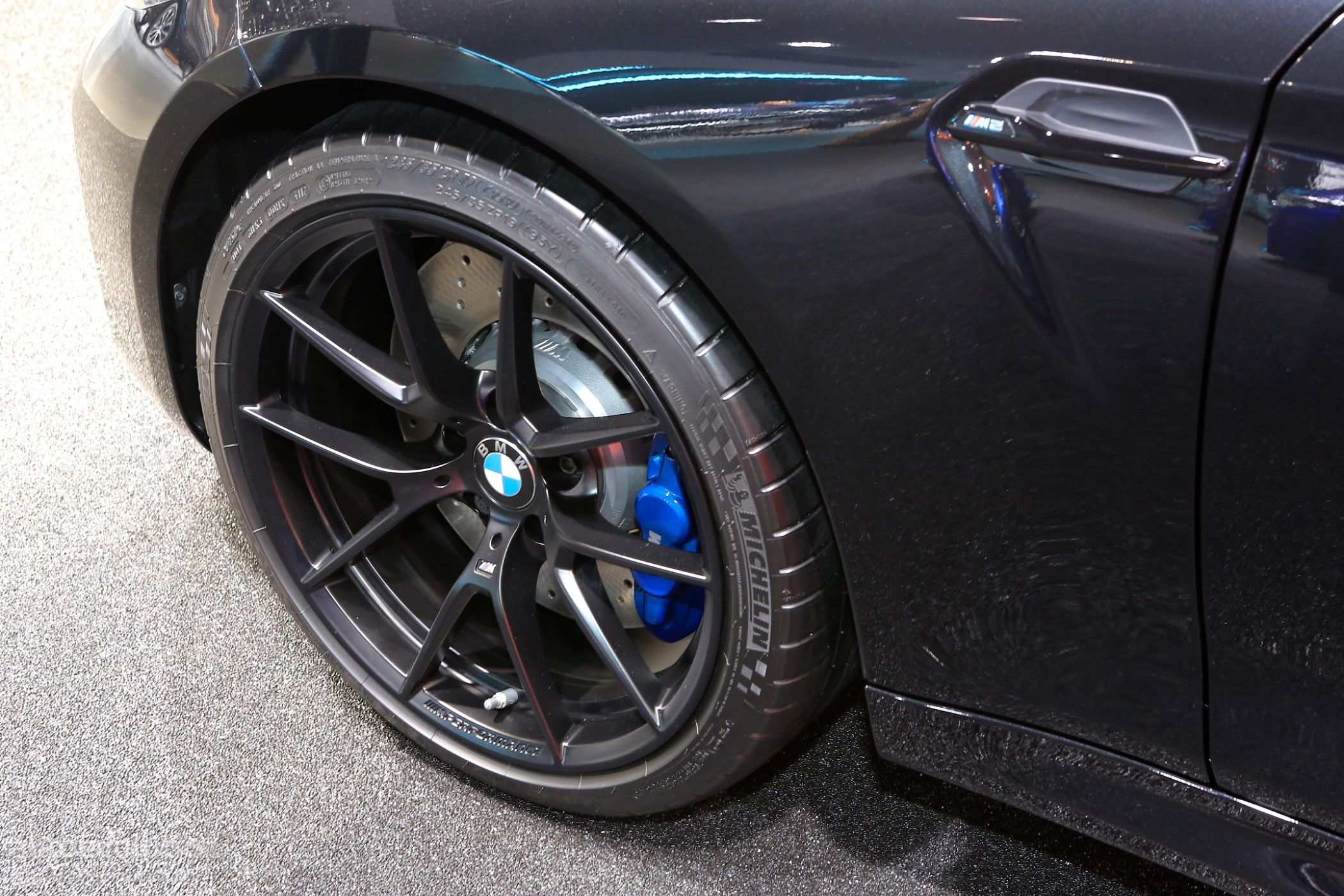 Bmw Stand At Geneva Brings Together M2 Edition Black Shadow With M3 Cs Autoevolution