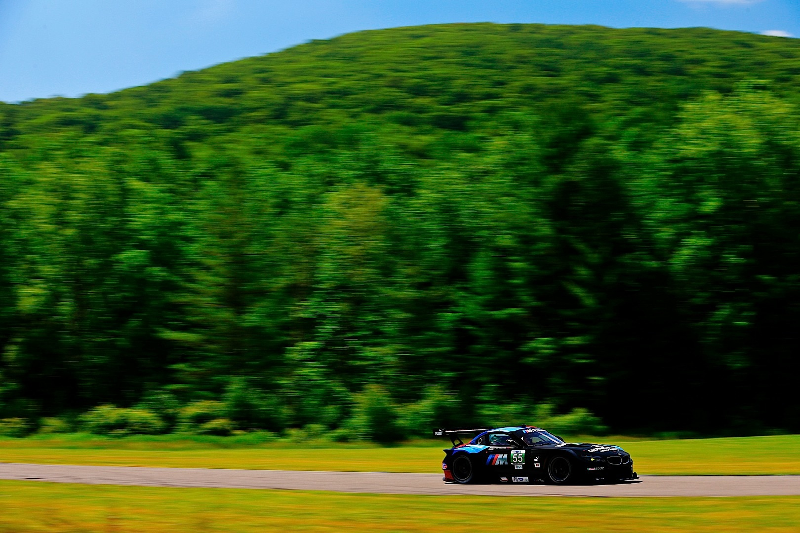 Bmw Team Rll Wins At Lime Rock Park Autoevolution