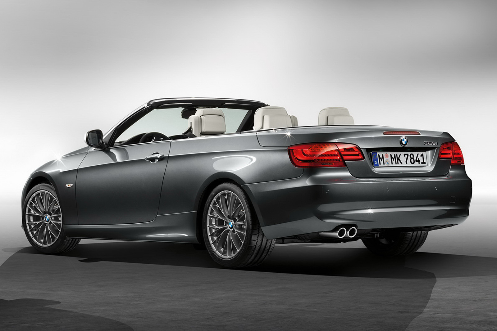 bmw unveils exclusive and m sport packages for 3 series range autoevolution. Black Bedroom Furniture Sets. Home Design Ideas
