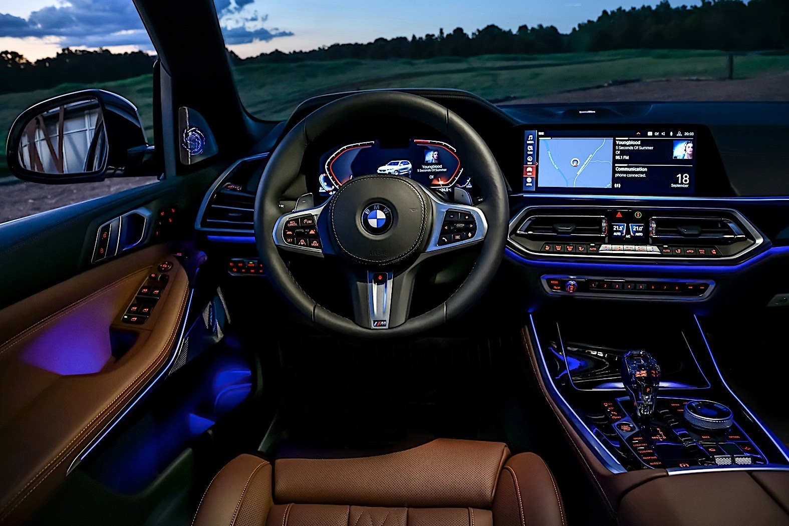 Bmw Unveils Most Powerful Versions Of The X5 And X7 Suvs The M50i