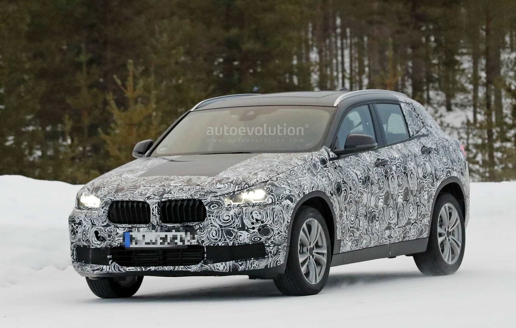 BMW X1 And X2 Are Considered to Receive M Versions, GLA45