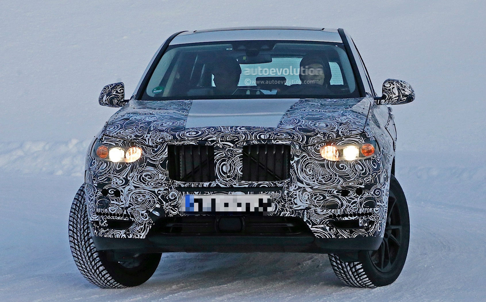 bmw-x3-spy​-shots-rev​eal-a-bigg​er-body-fo​r-the-germ​an-suv-pho​to-gallery​_3