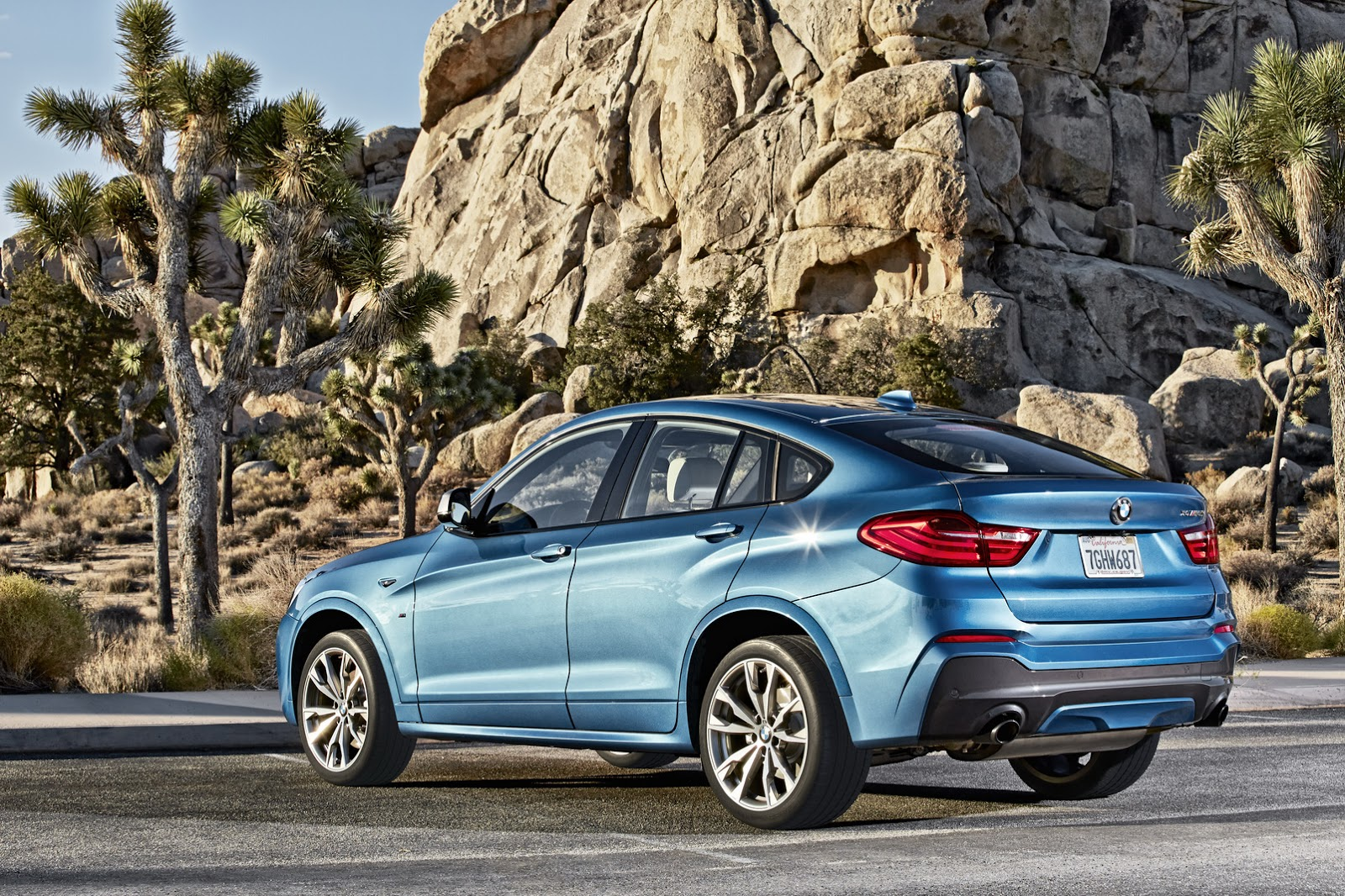 bmw x4 m40i debuts with 360 hp 3 liter turbo and angry looks autoevolution. Black Bedroom Furniture Sets. Home Design Ideas