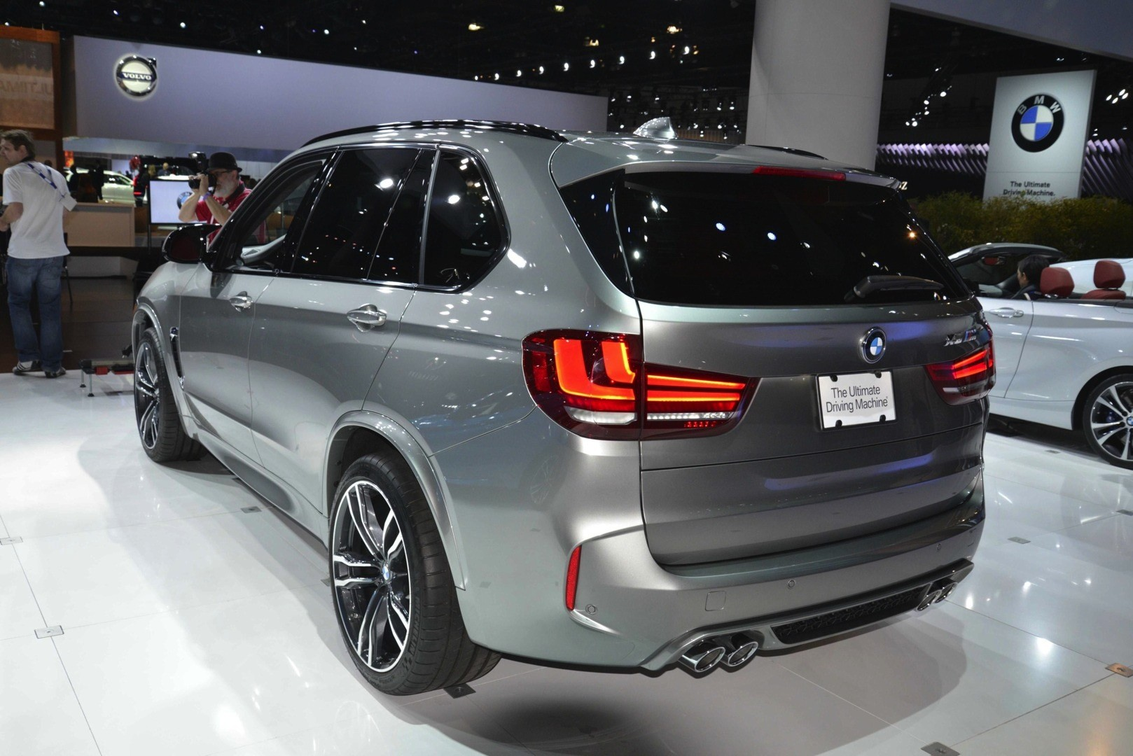 BMW X5 M and X6 M Show Up in LA with New Colors [Live Photos ...