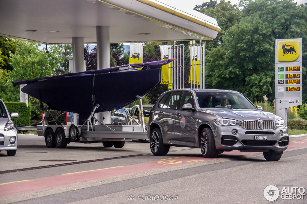 Bmw X5 Towing >> Bmw X5 M50d Spotted Towing A Sailboat In Geneva Autoevolution