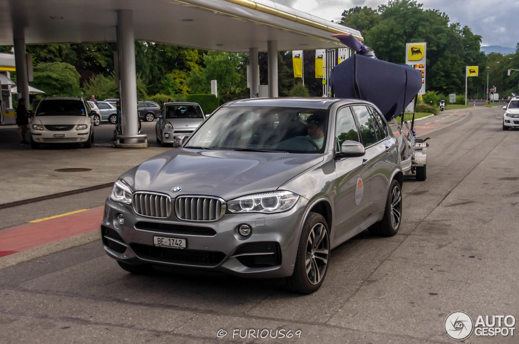 Bmw X5 Towing >> BMW X5 M50d Spotted Towing a Sailboat in Geneva - autoevolution